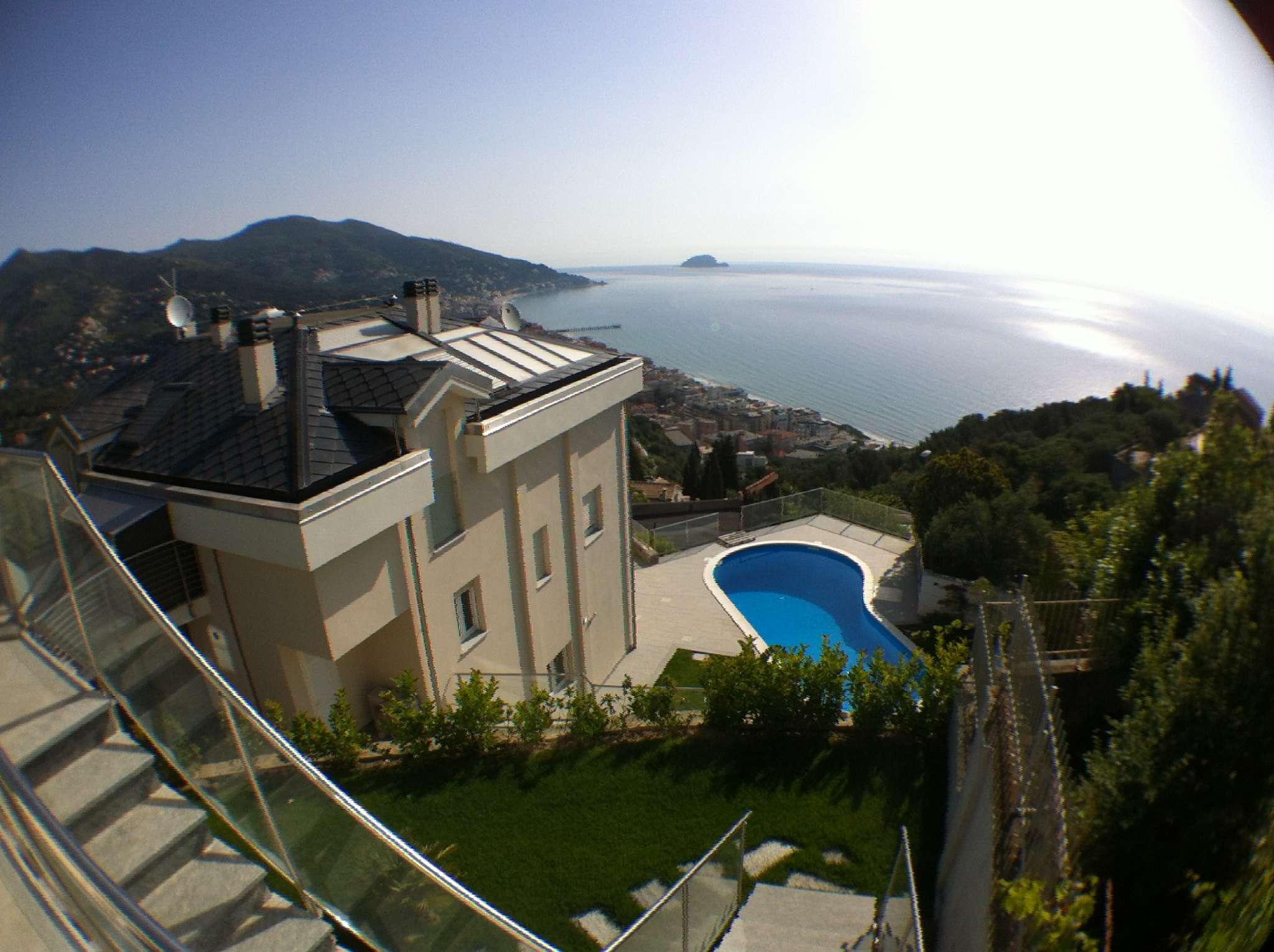 Villa in vendita a Alassio, 6 locali, Trattative riservate | CambioCasa.it