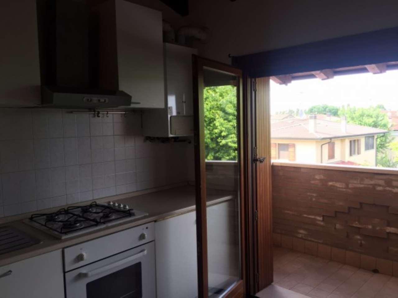 Appartamento in affitto a Curtatone, 2 locali, prezzo € 400 | Cambio Casa.it