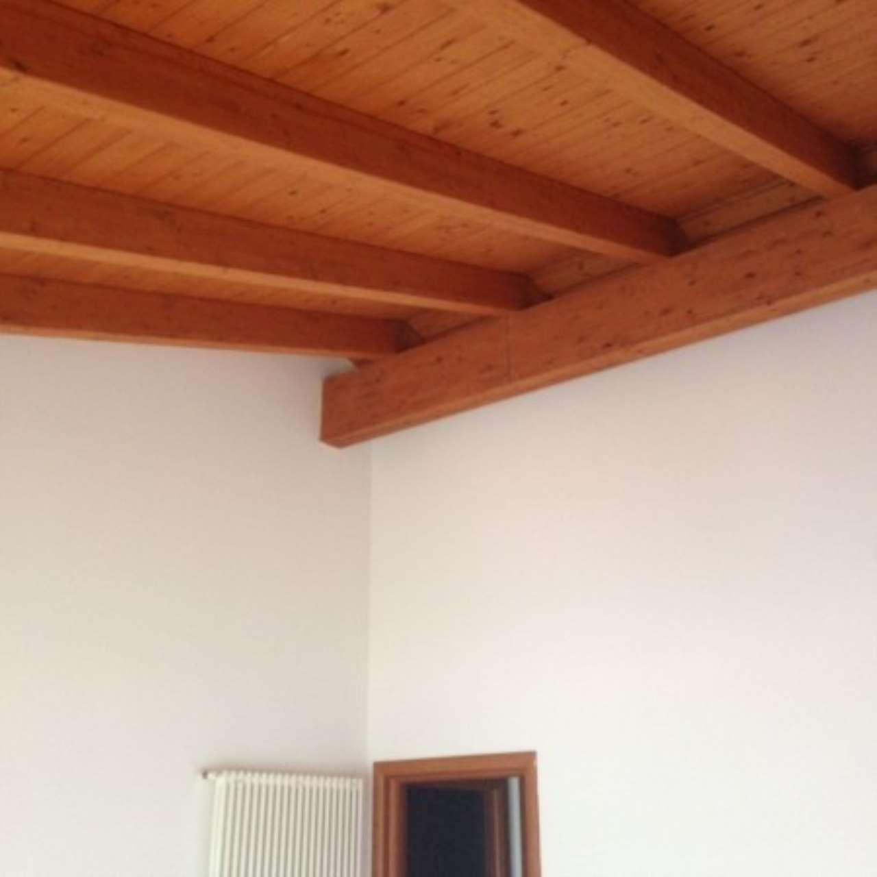 Appartamento in affitto a Curtatone, 4 locali, prezzo € 600 | Cambio Casa.it
