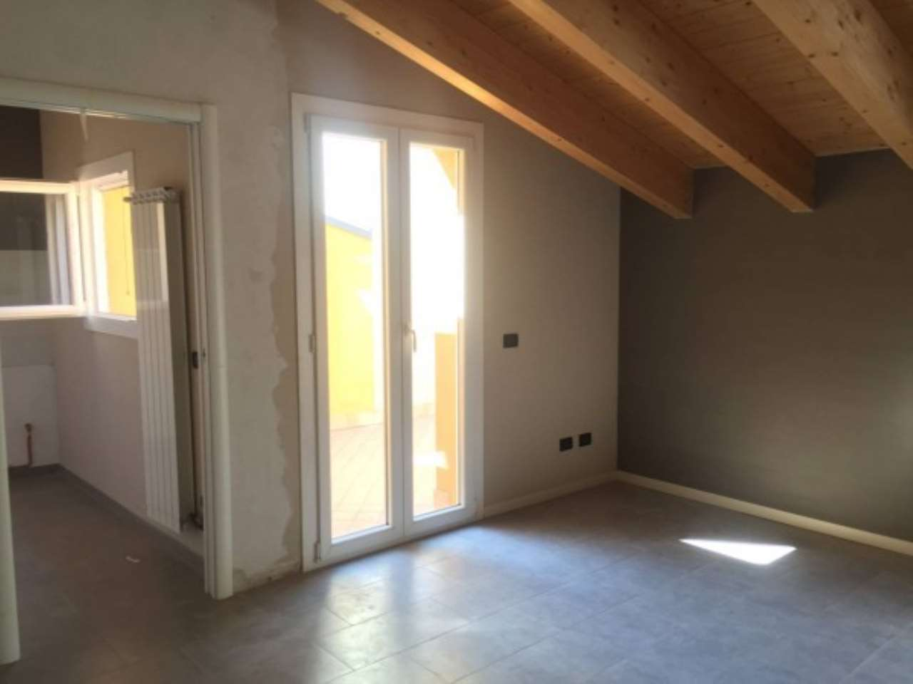 Attico / Mansarda in affitto a Mantova, 4 locali, prezzo € 550 | Cambio Casa.it