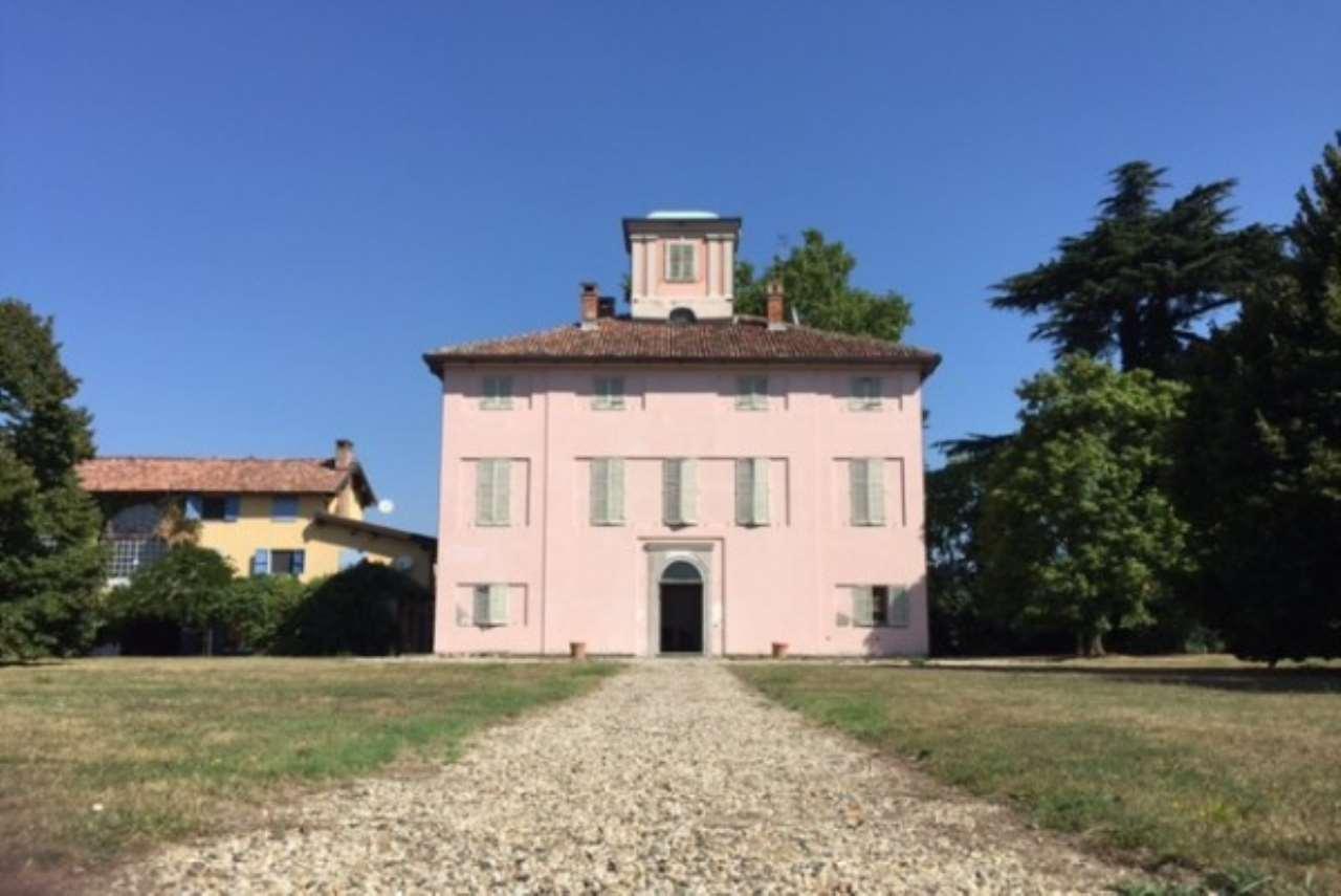Palazzo / Stabile in Vendita a Serravalle Scrivia