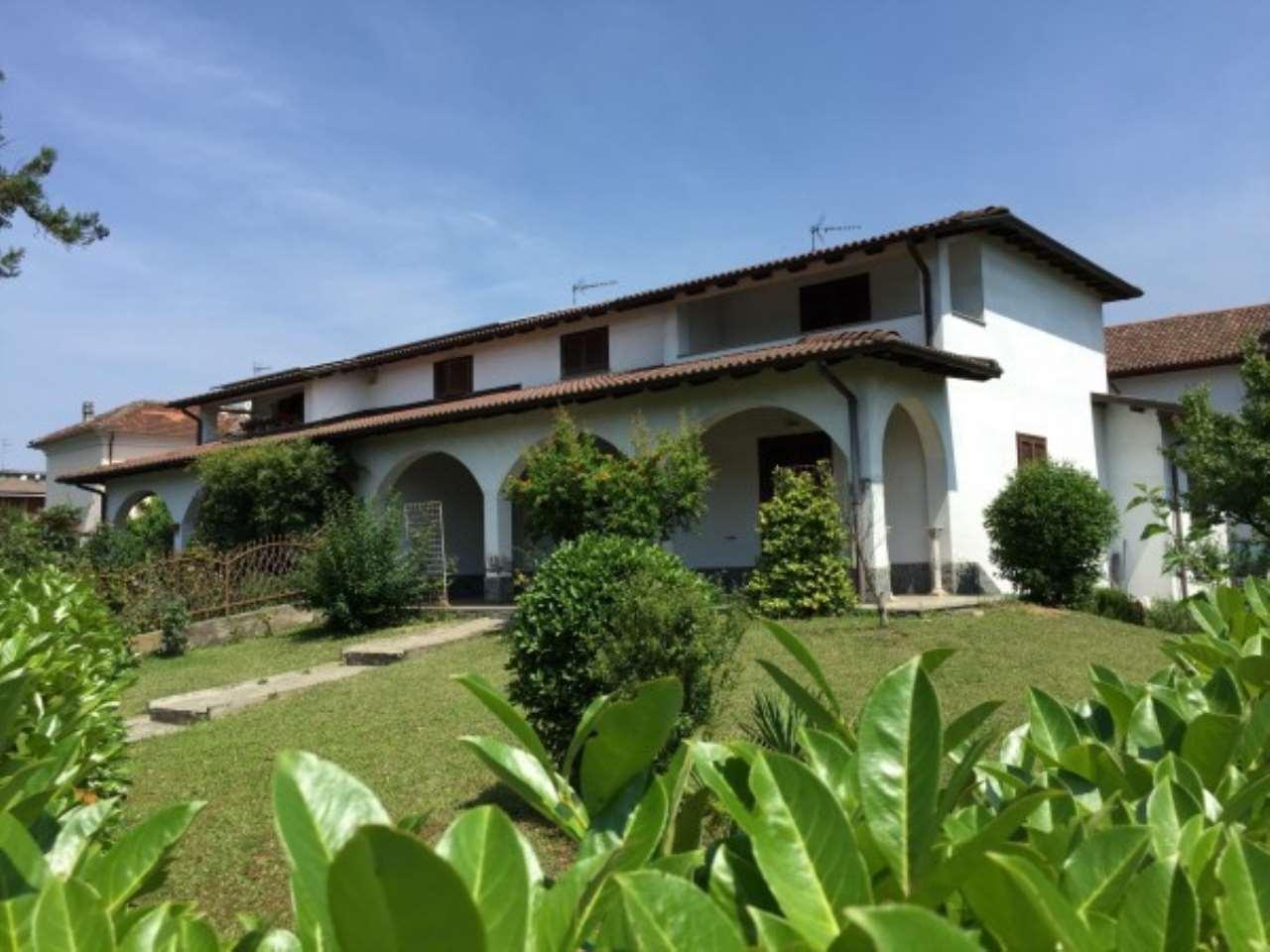 Villa in vendita a Novi Ligure, 6 locali, prezzo € 350.000 | Cambio Casa.it