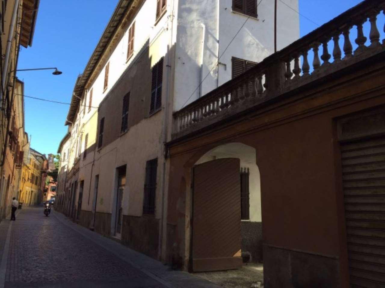 Palazzo / Stabile in vendita a Novi Ligure, 5 locali, Trattative riservate   Cambio Casa.it