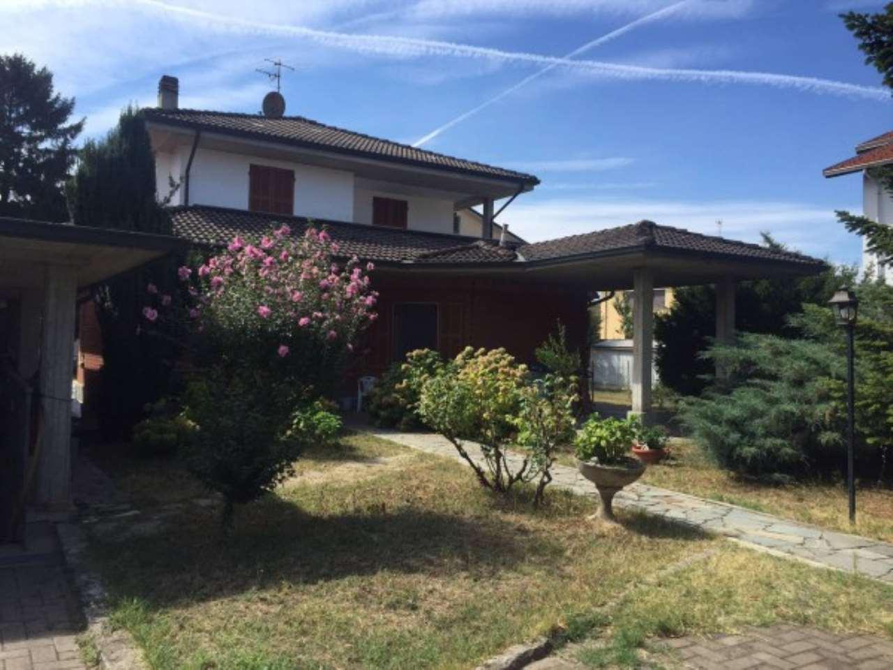 Villa in vendita a Novi Ligure, 6 locali, prezzo € 450.000 | Cambio Casa.it