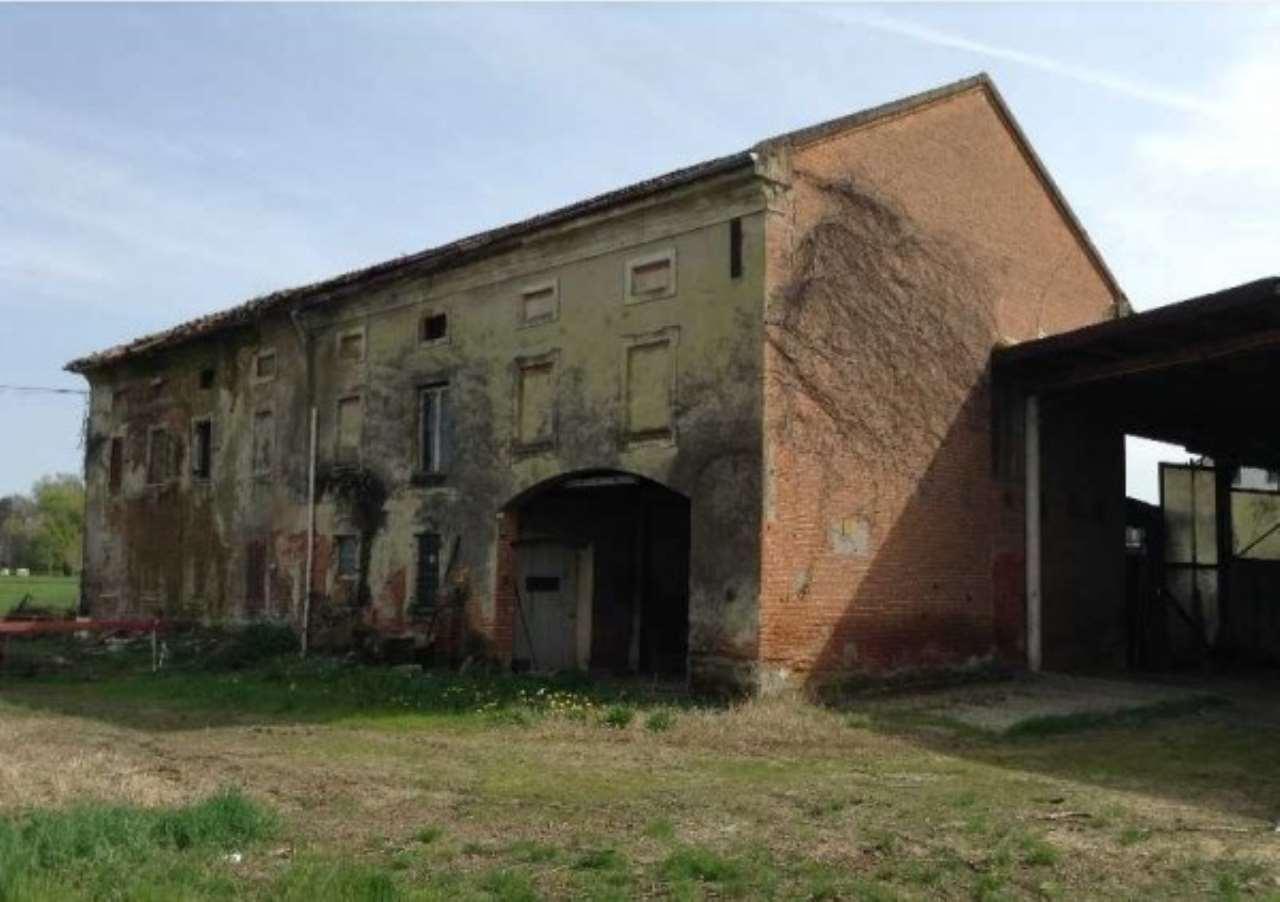 Rustico / Casale in Vendita a San Salvatore Monferrato
