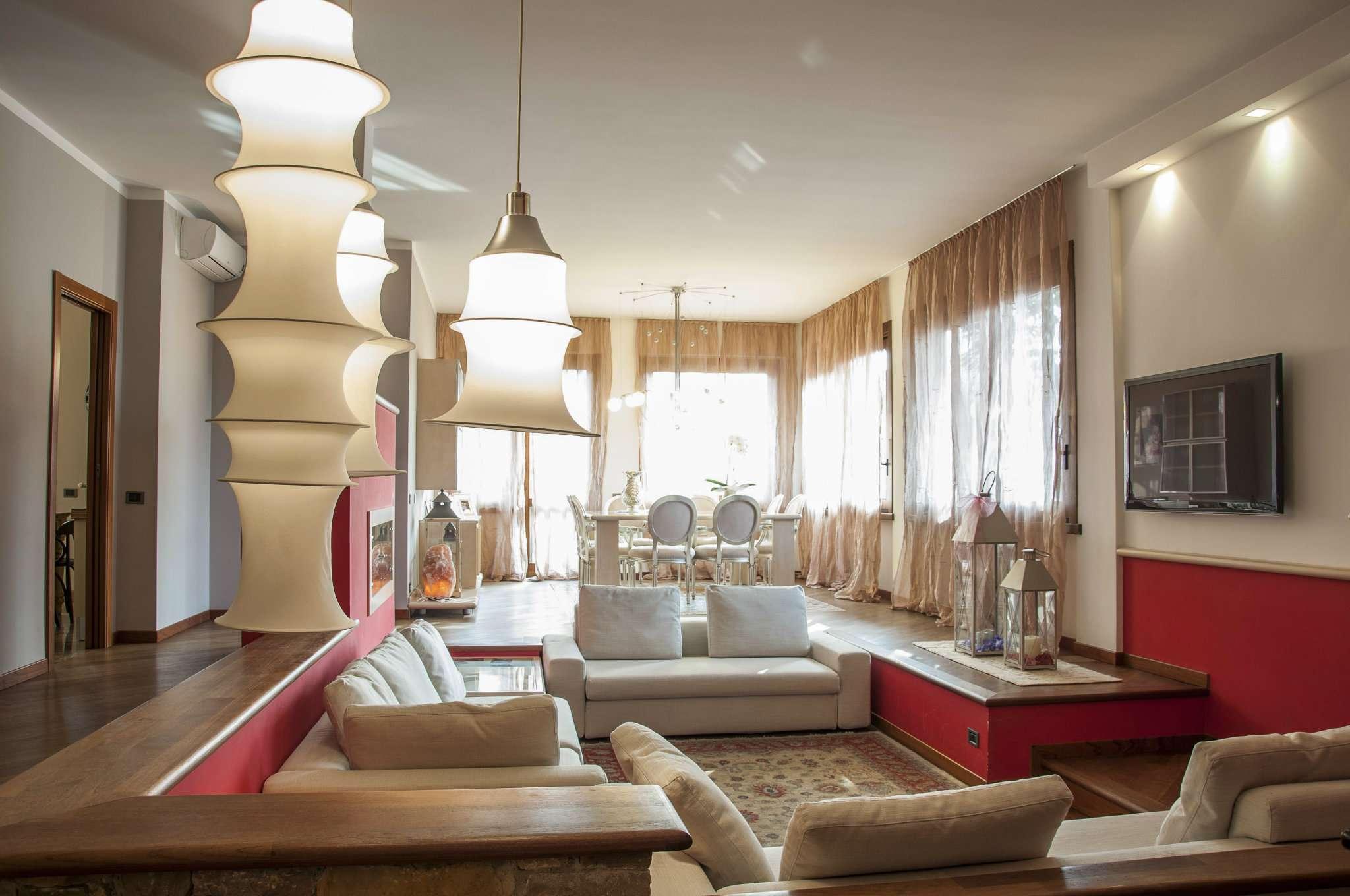 Appartamento in vendita a Limbiate, 5 locali, prezzo € 530.000 | Cambio Casa.it