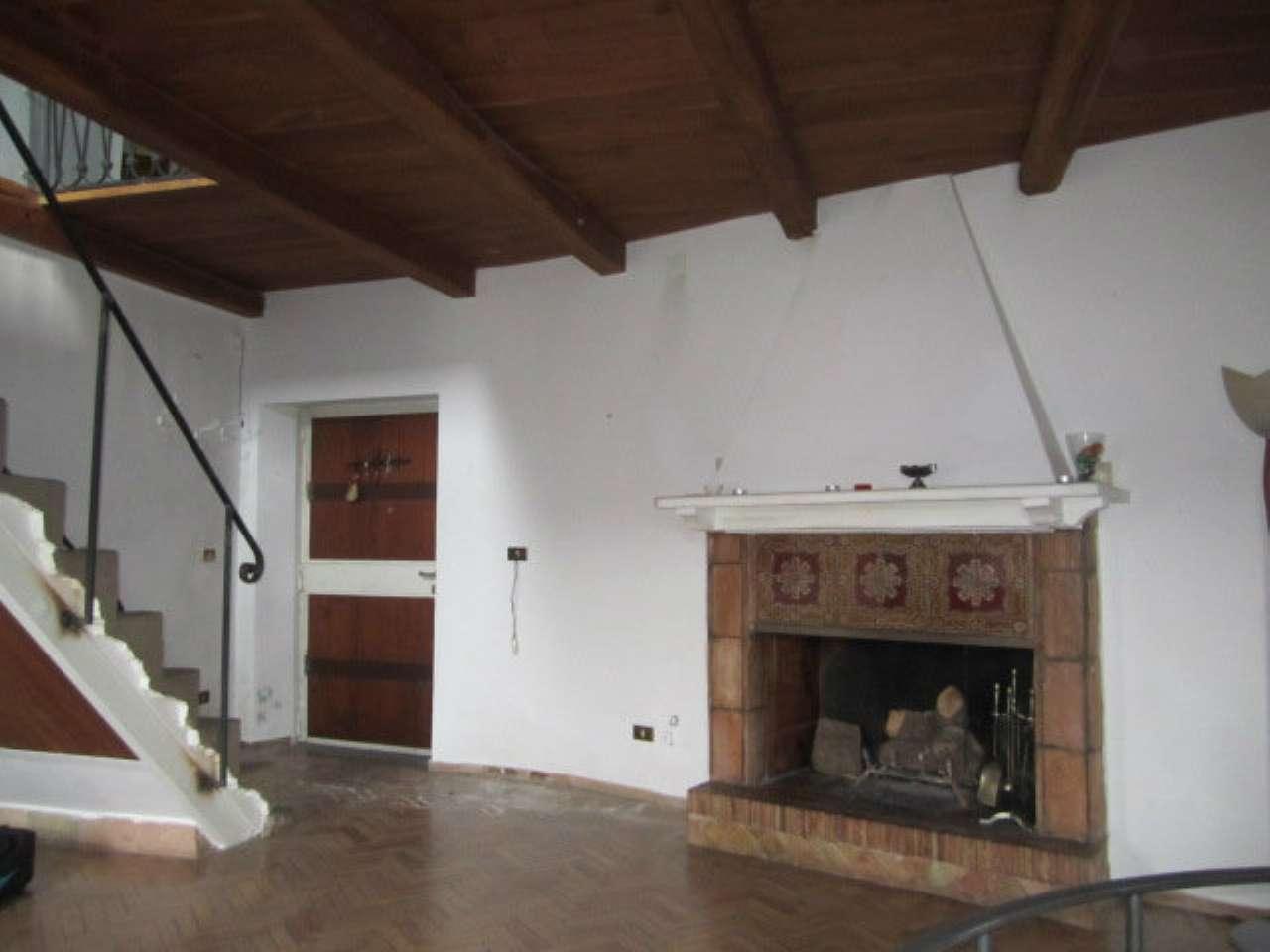 Palazzo / Stabile in vendita a Morlupo, 6 locali, prezzo € 195.000 | Cambio Casa.it
