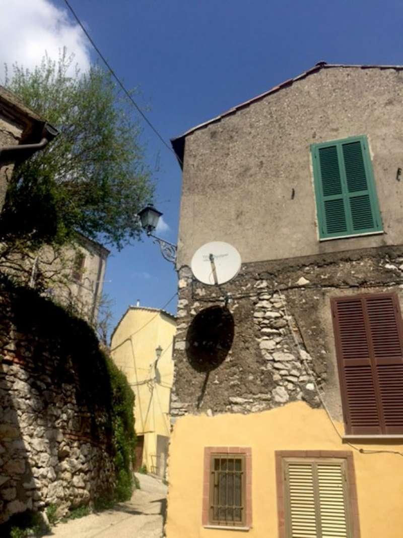 Appartamento in vendita a Sant'Oreste, 2 locali, prezzo € 40.000   CambioCasa.it