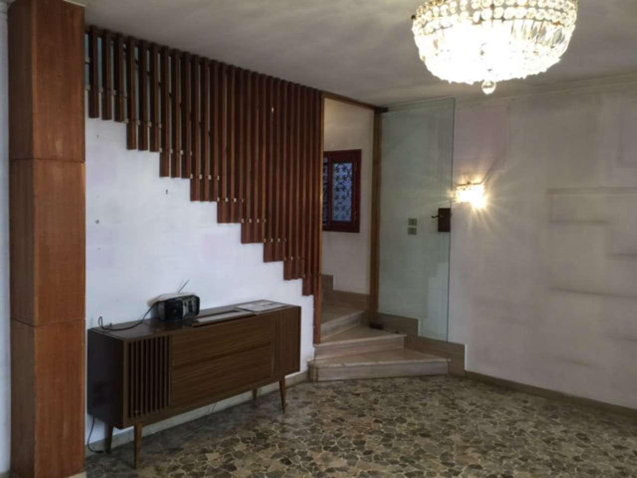 Appartamento in vendita a Venezia, 6 locali, zona Zona: 5 . San Marco, prezzo € 650.000   Cambio Casa.it
