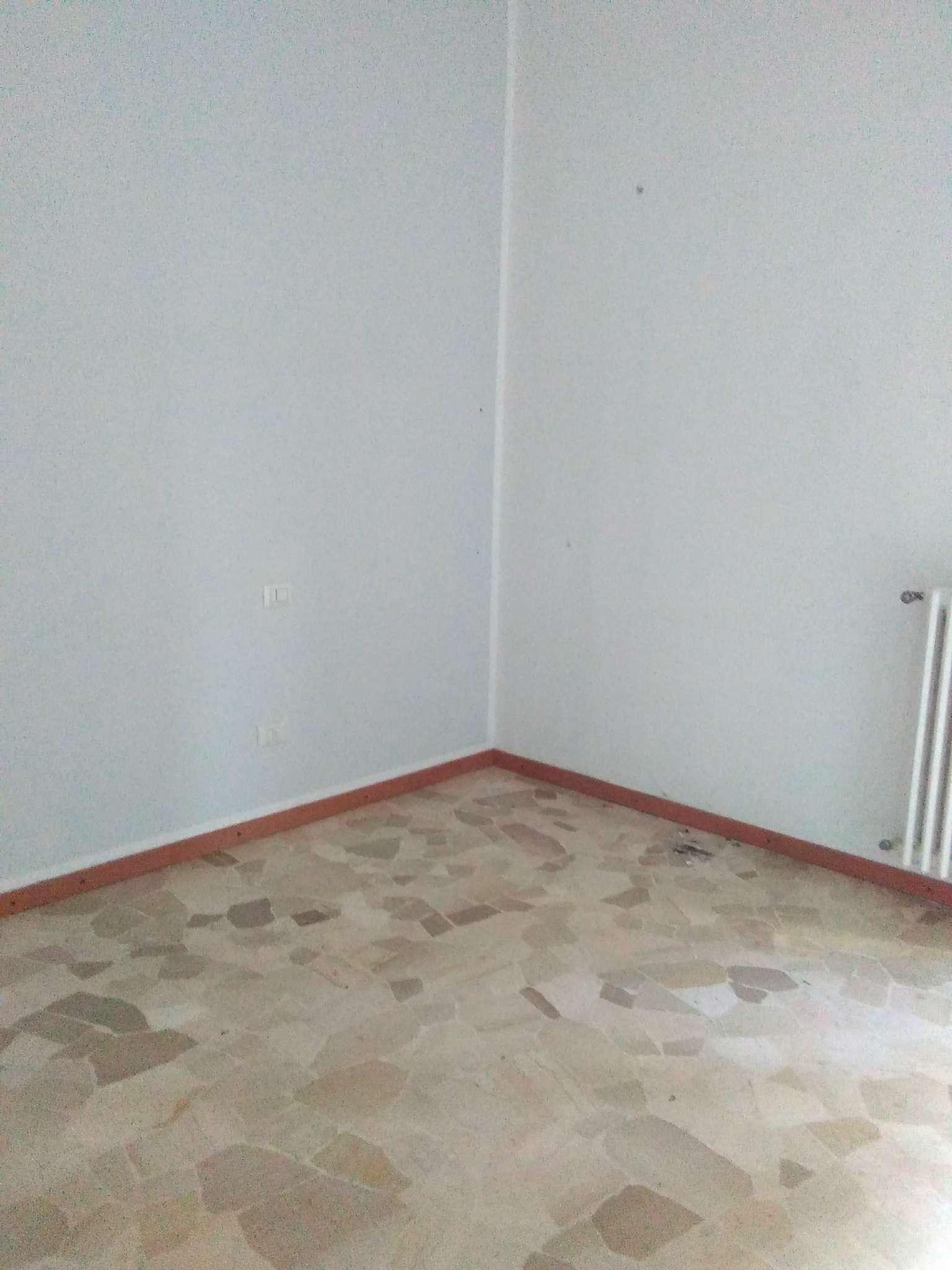 Appartamento in affitto a Milano, 1 locali, zona Zona: 14 . Lotto, Novara, San Siro, QT8 , Montestella, Rembrandt, prezzo € 550 | CambioCasa.it