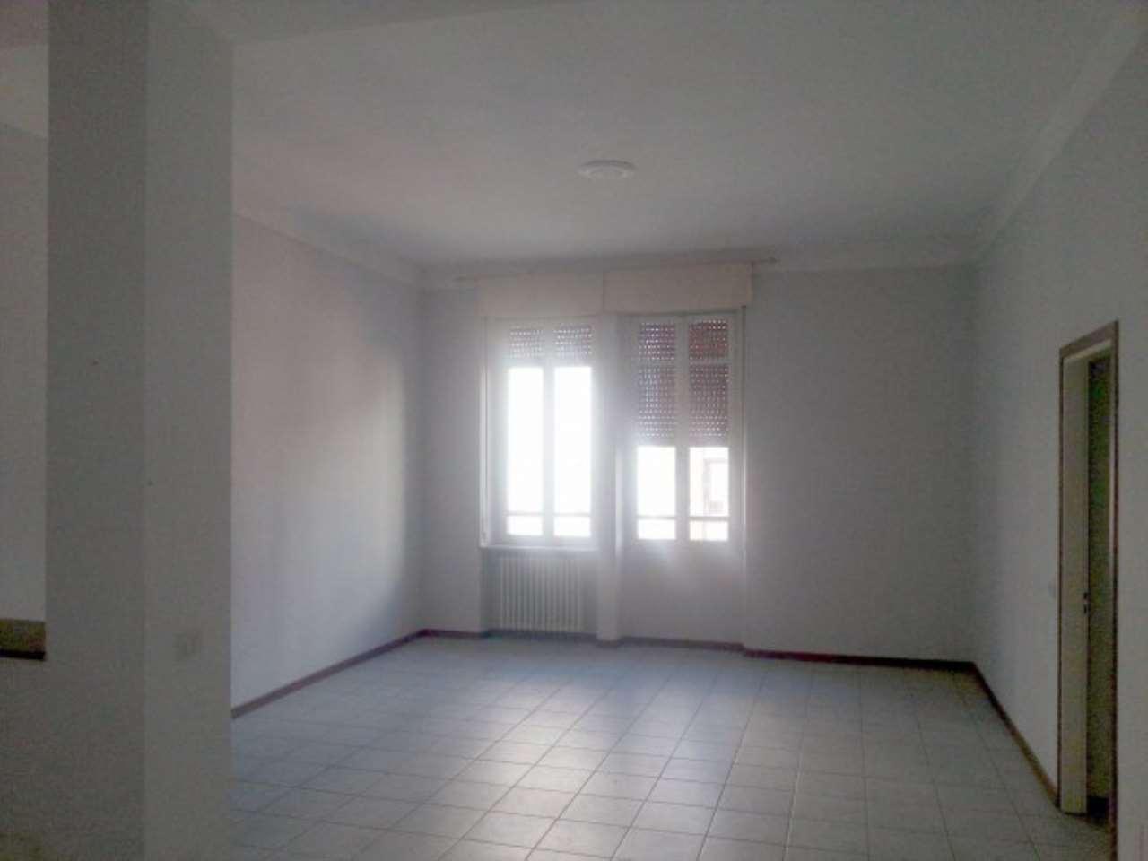 Appartamento in affitto a Novara, 2 locali, prezzo € 400 | Cambio Casa.it