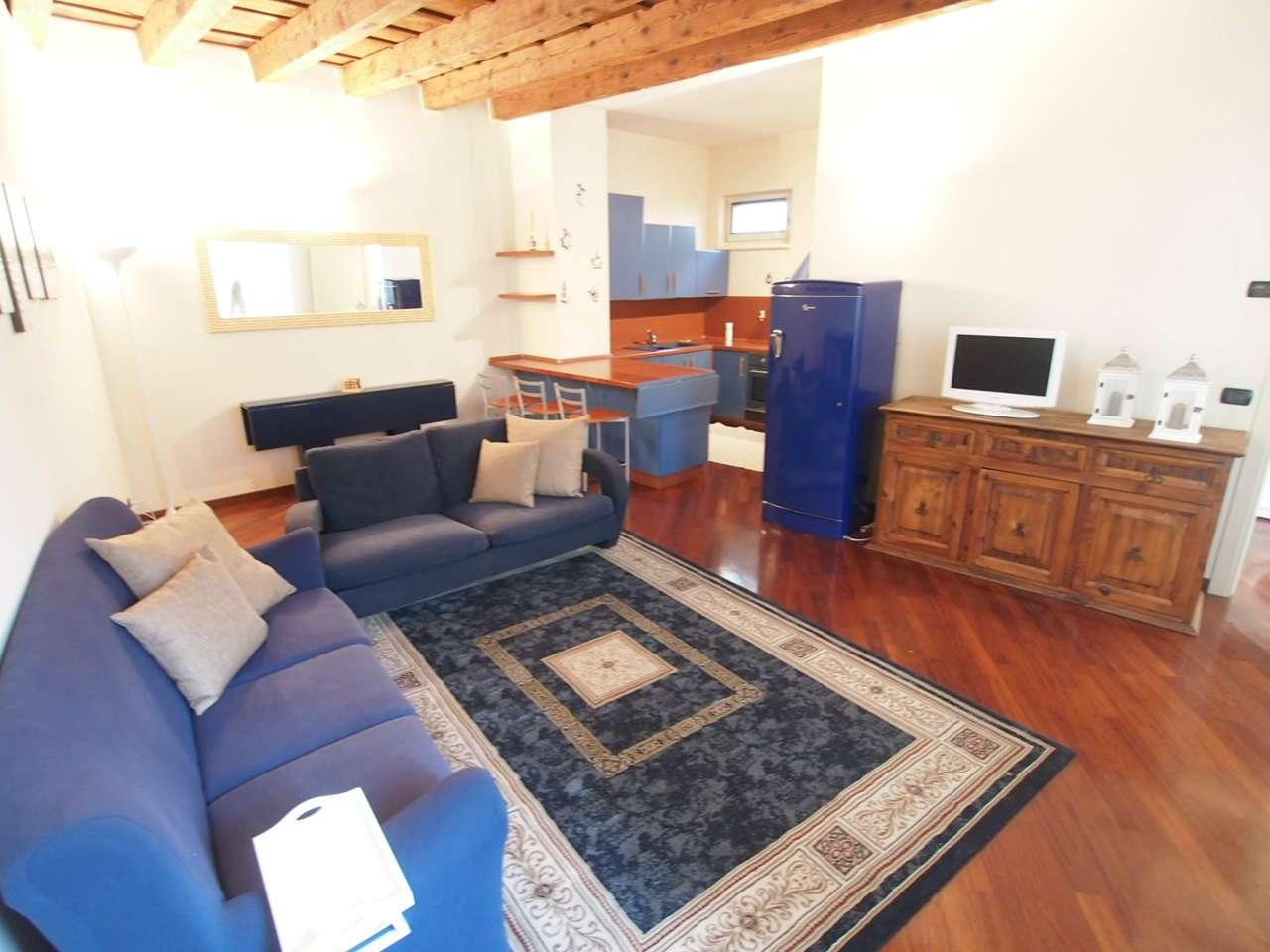 Appartamento in affitto a Verona, 3 locali, zona Zona: 1 . ZTL - Piazza Cittadella - San Zeno - Stadio, prezzo € 1.200 | CambioCasa.it