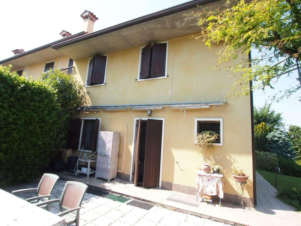 Soluzione Indipendente in vendita a Sommacampagna, 7 locali, prezzo € 385.000 | CambioCasa.it