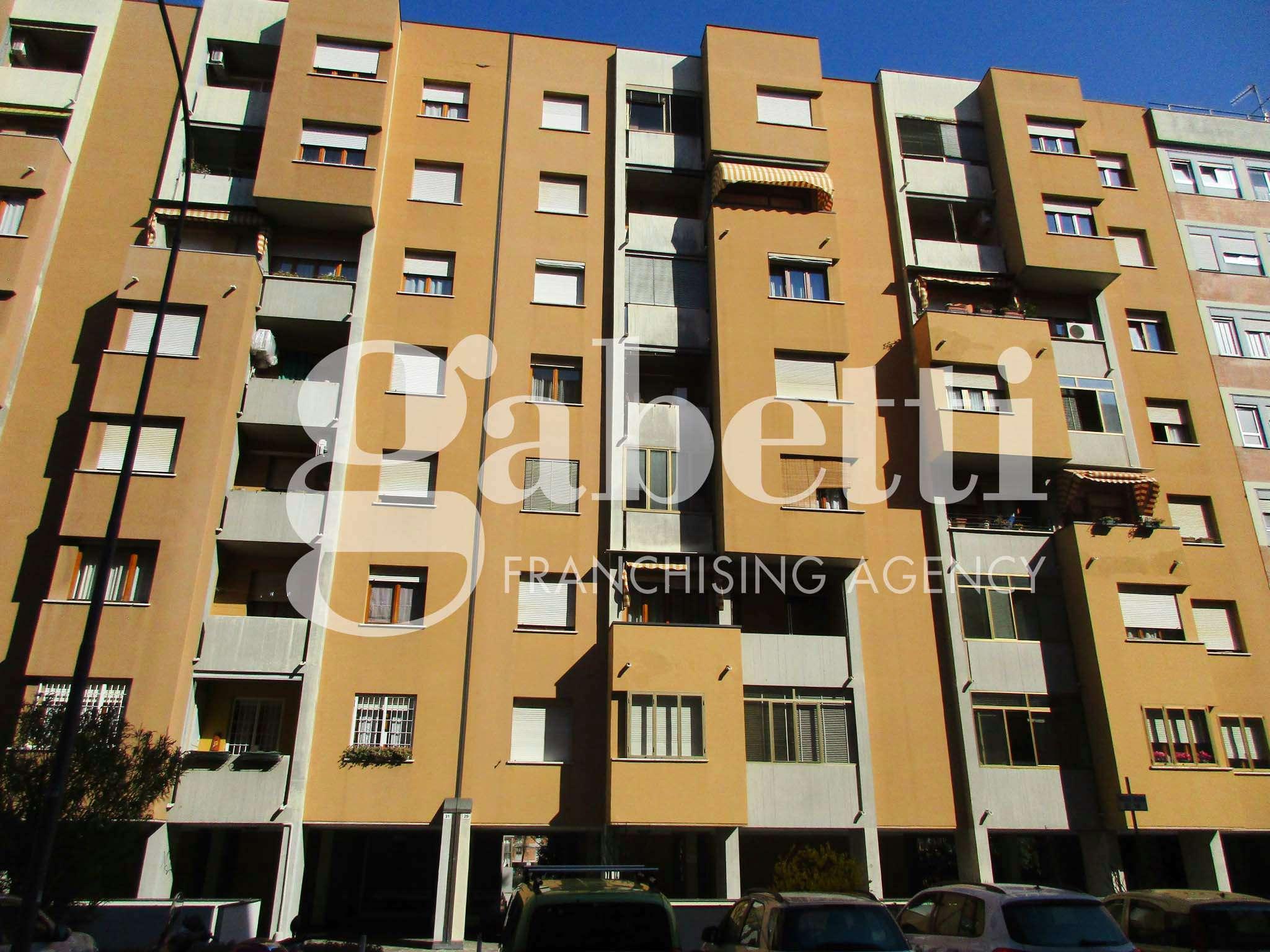 Appartamento in vendita 5 vani 120 mq.  via Misa Bologna