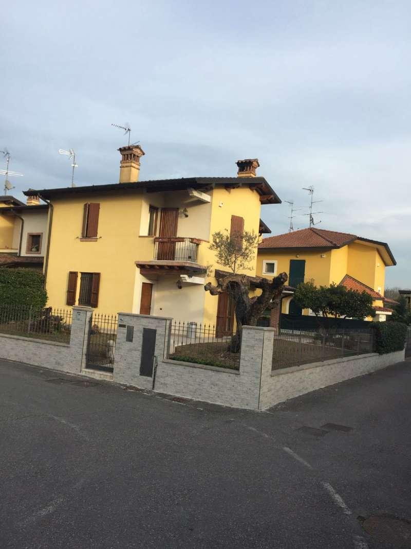 Villa in vendita a Bagnolo Mella, 5 locali, prezzo € 290.000 | Cambio Casa.it