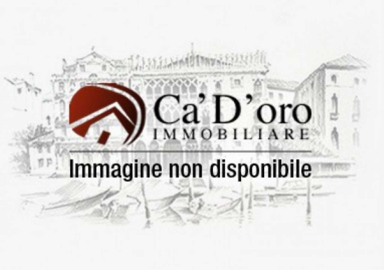 Magazzino in vendita a Venezia, 1 locali, zona Zona: 1 . San Polo, prezzo € 90.000 | CambioCasa.it