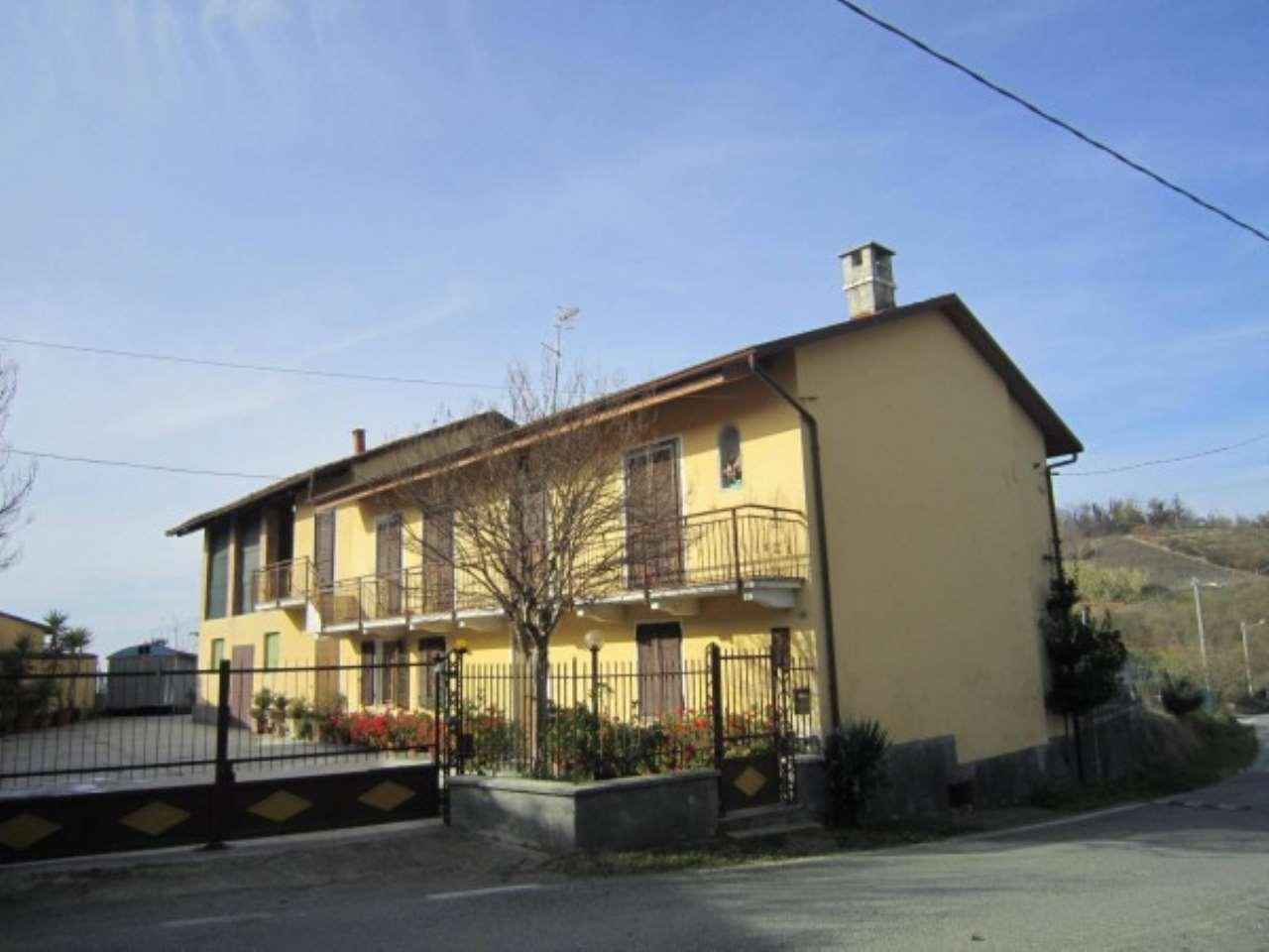 Rustico / Casale in vendita a Cherasco, 6 locali, prezzo € 300.000 | CambioCasa.it