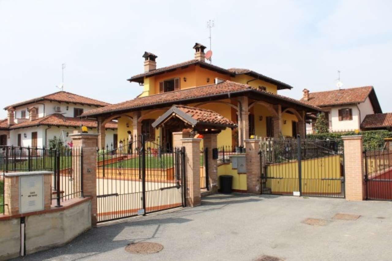 Soluzione Indipendente in vendita a Cherasco, 6 locali, prezzo € 450.000 | CambioCasa.it