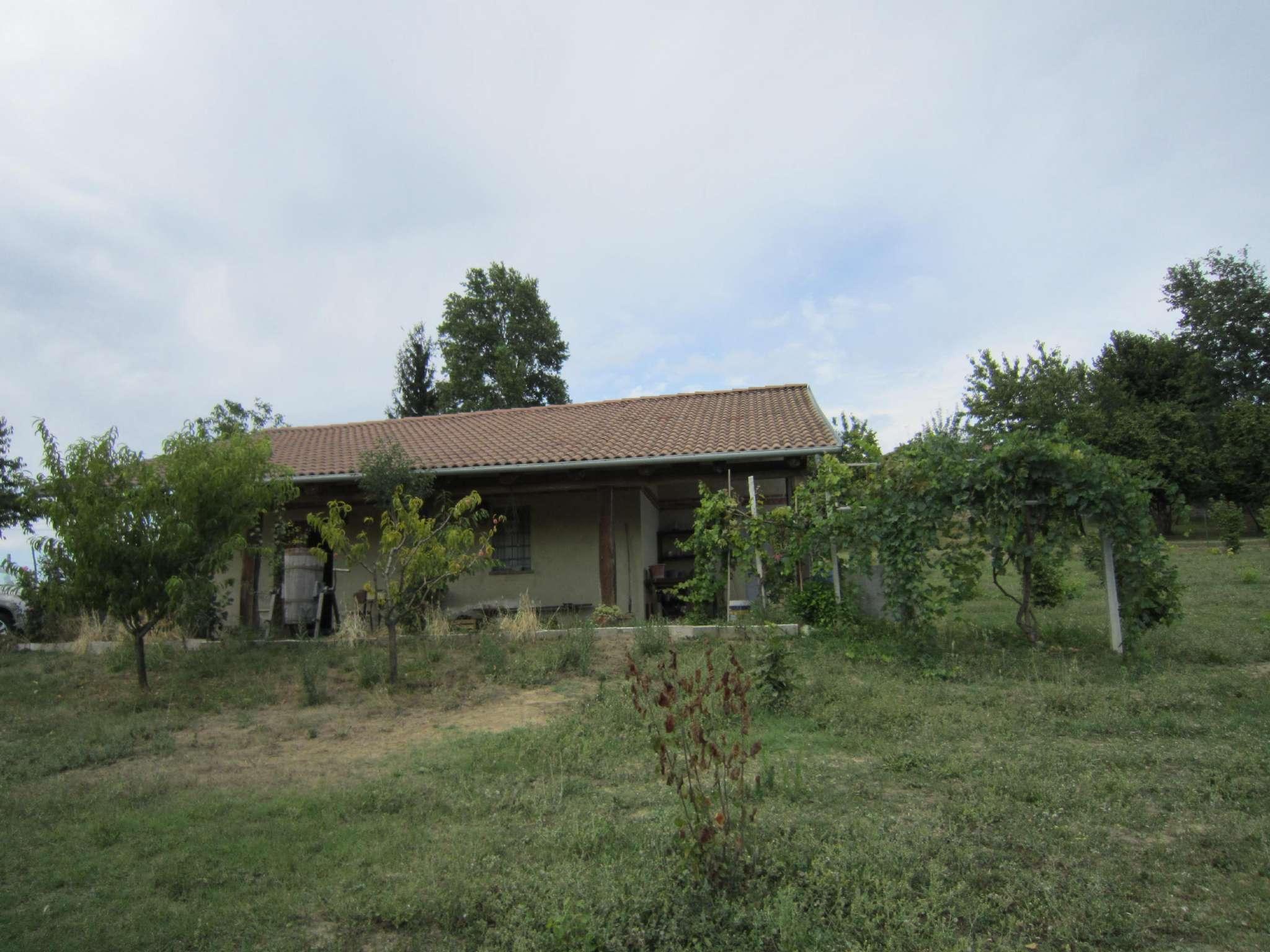 Rustico / Casale in vendita a Cherasco, 3 locali, prezzo € 90.000 | CambioCasa.it