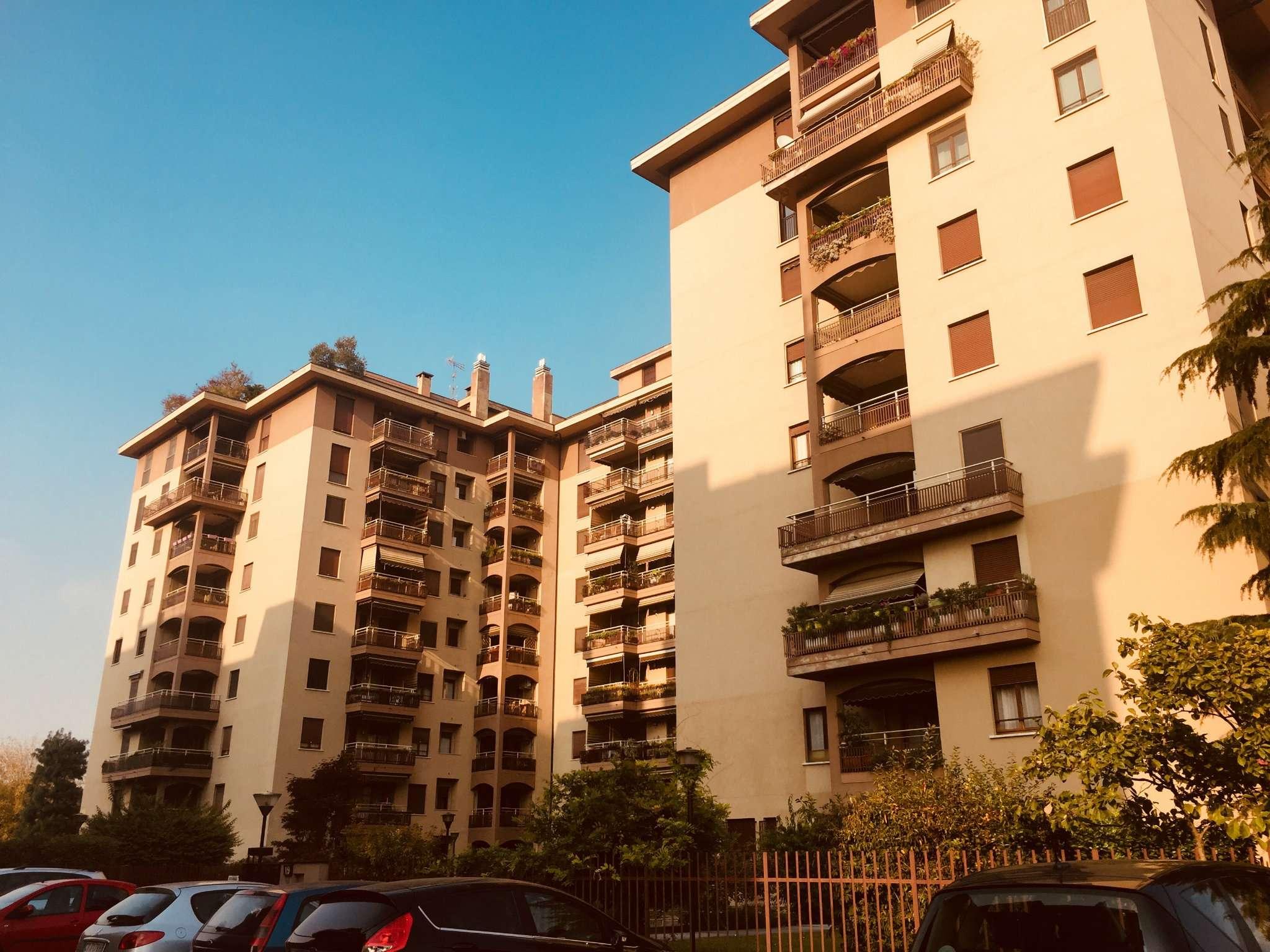 Appartamento in vendita a Trezzano sul Naviglio, 3 locali, prezzo € 150.000 | CambioCasa.it