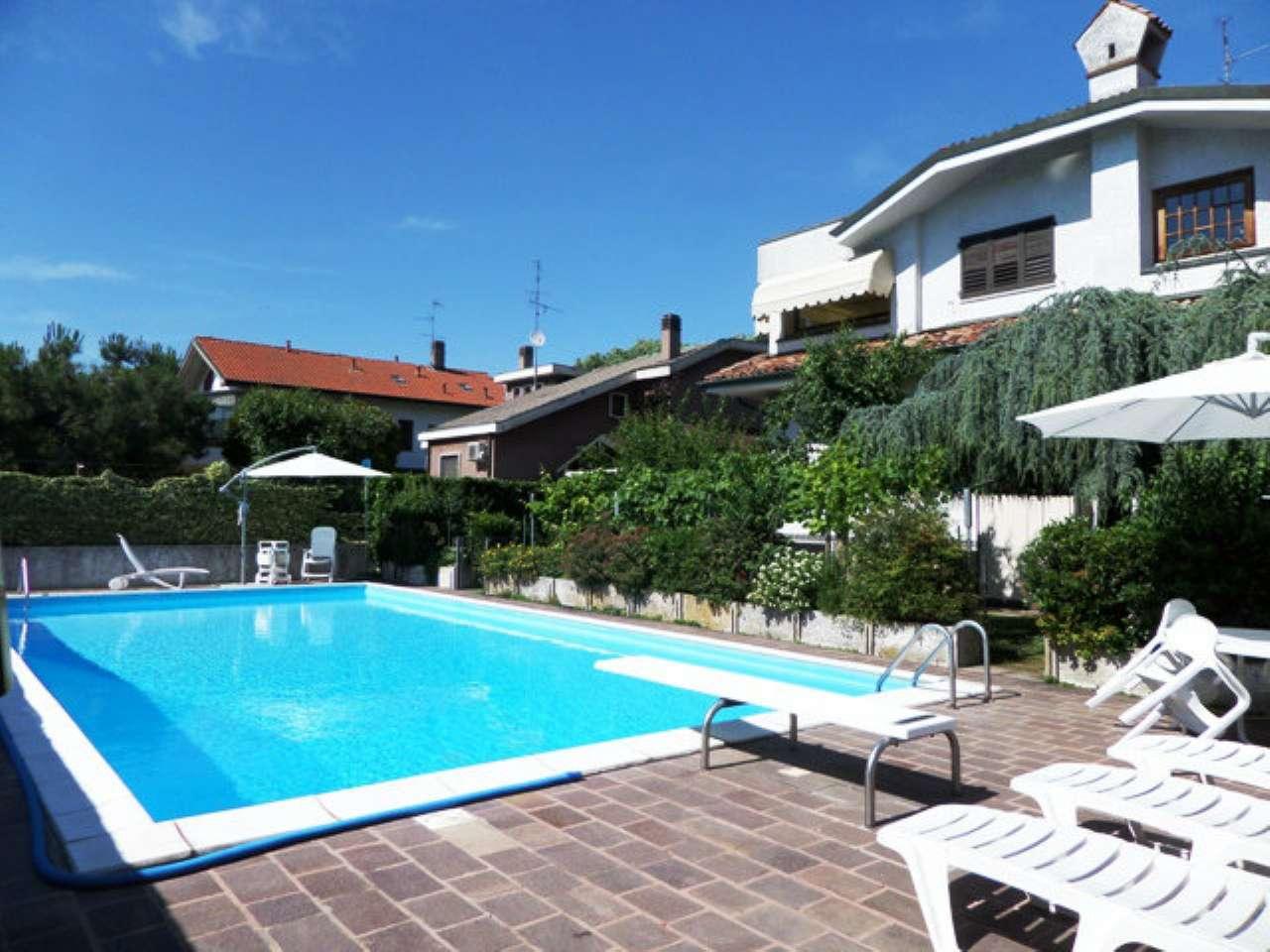 Villa in vendita a Cusago, 8 locali, prezzo € 1.250.000 | CambioCasa.it
