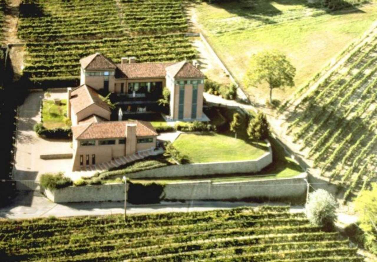 Rustico / Casale in vendita a Agliano Terme, 6 locali, Trattative riservate | Cambio Casa.it