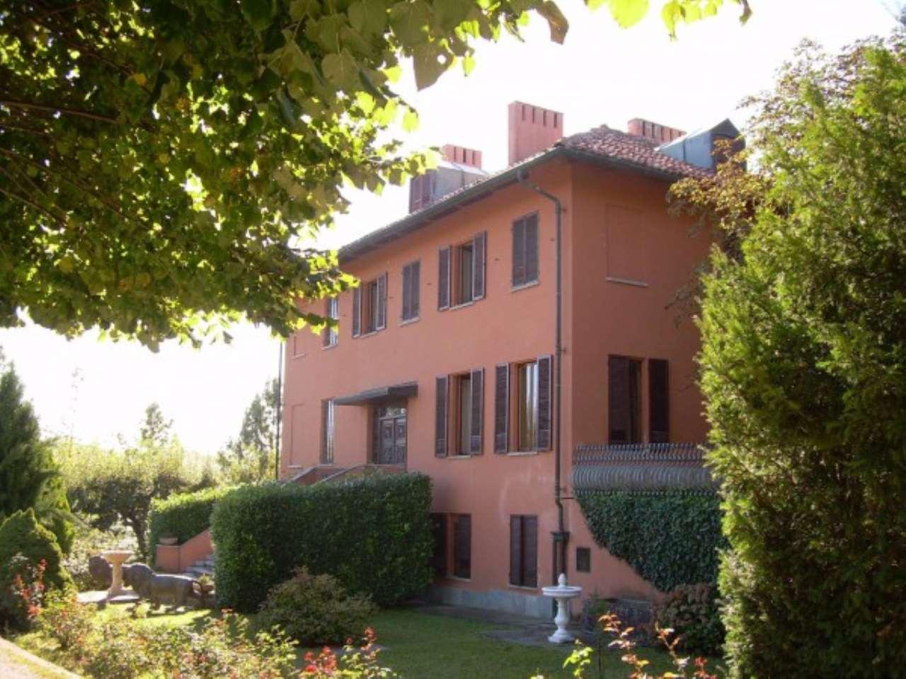 Palazzo / Stabile in Vendita a Alba