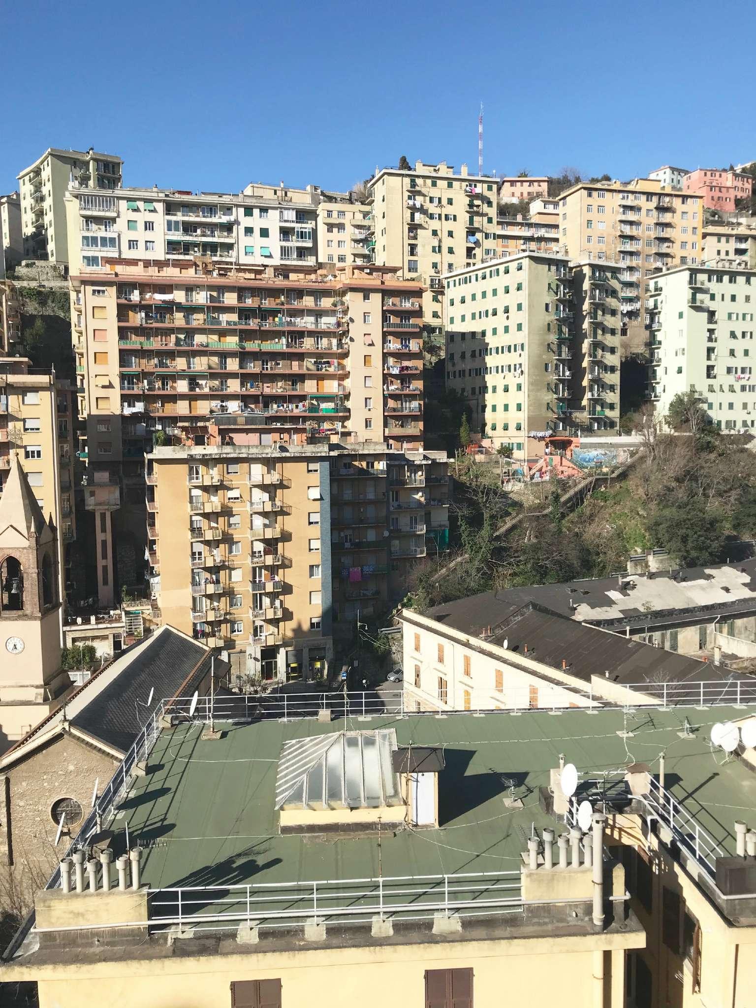 Foto 1 di Trilocale via ventotene 21, Genova (zona Principe)