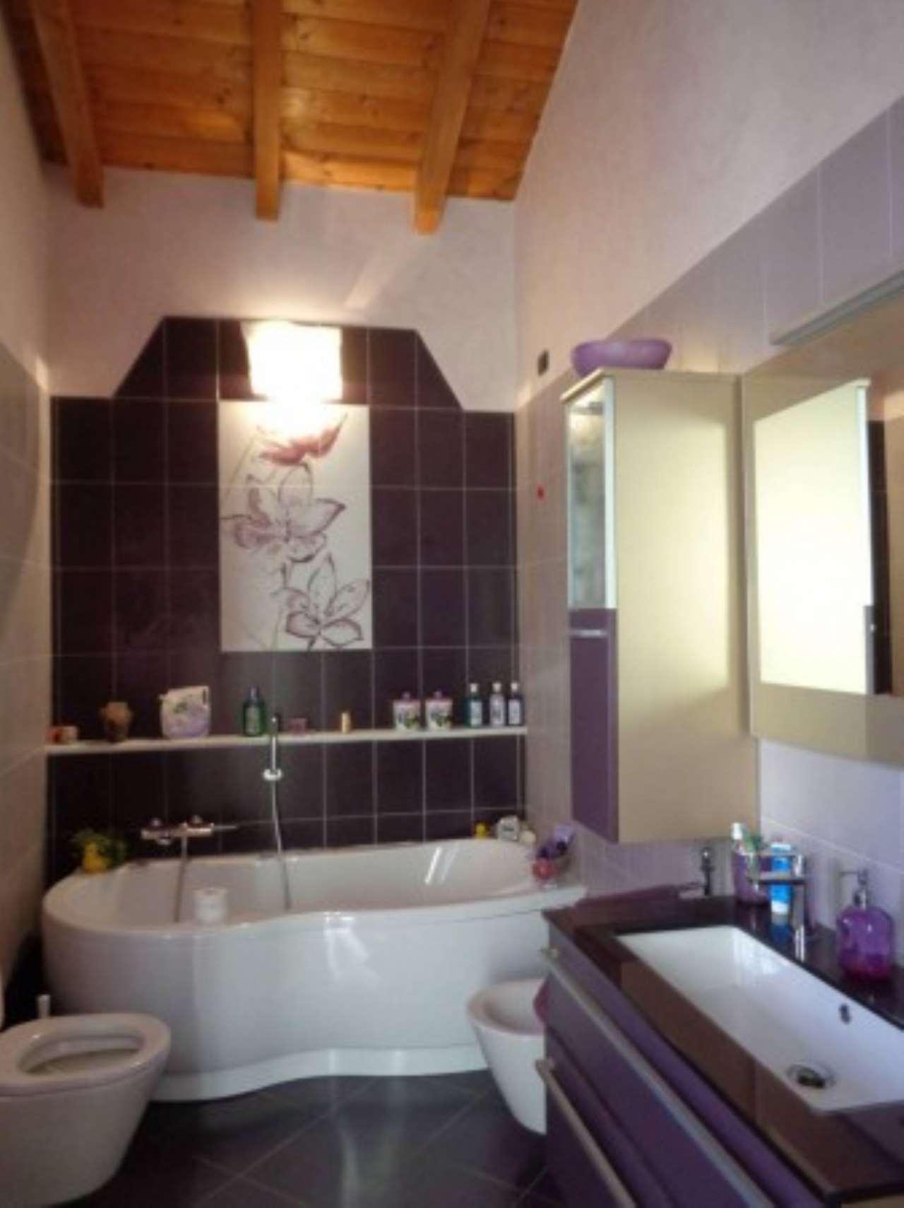 Villa in vendita a Casalino, 6 locali, prezzo € 320.000 | Cambio Casa.it