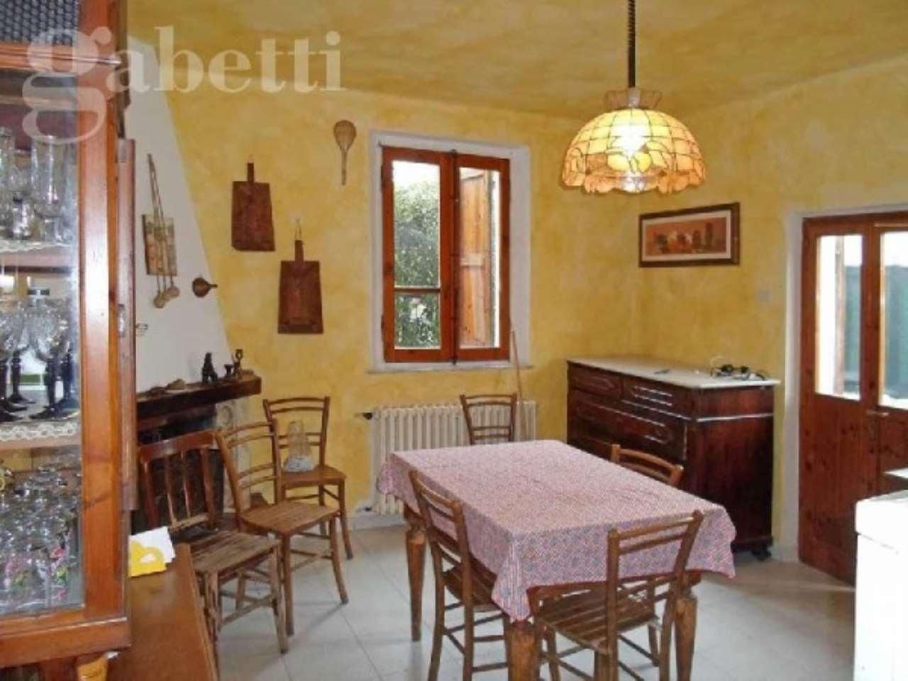 Villa in vendita a Senigallia, 6 locali, prezzo € 195.000 | CambioCasa.it