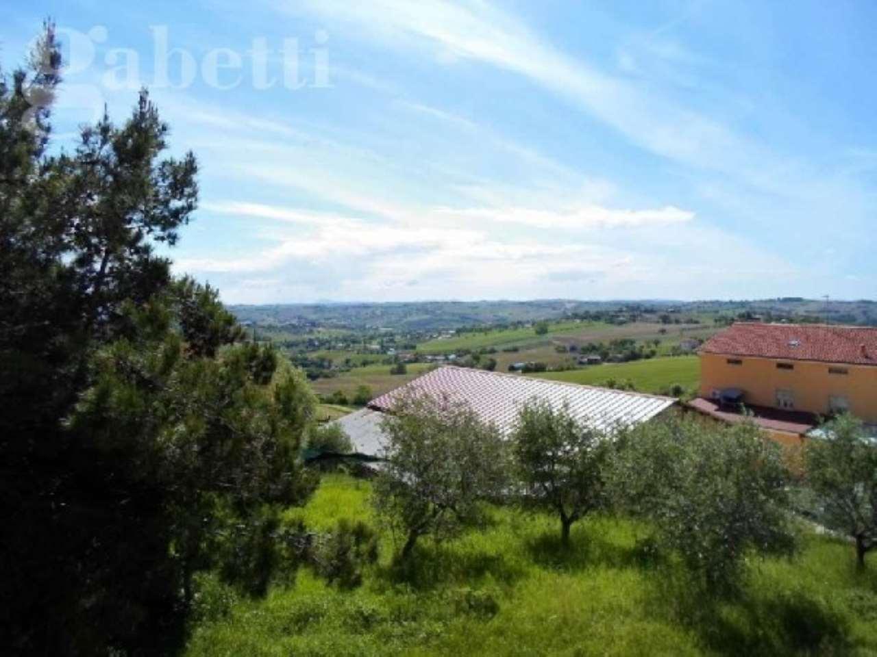 Villa in vendita a Corinaldo, 4 locali, prezzo € 249.000 | Cambio Casa.it