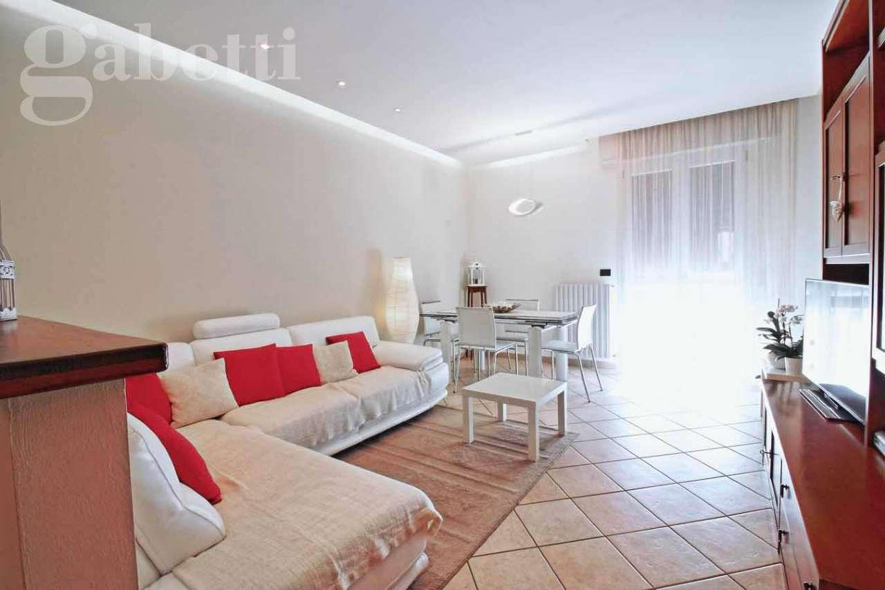 Appartamento in vendita a Mondolfo, 5 locali, prezzo € 185.000 | Cambio Casa.it