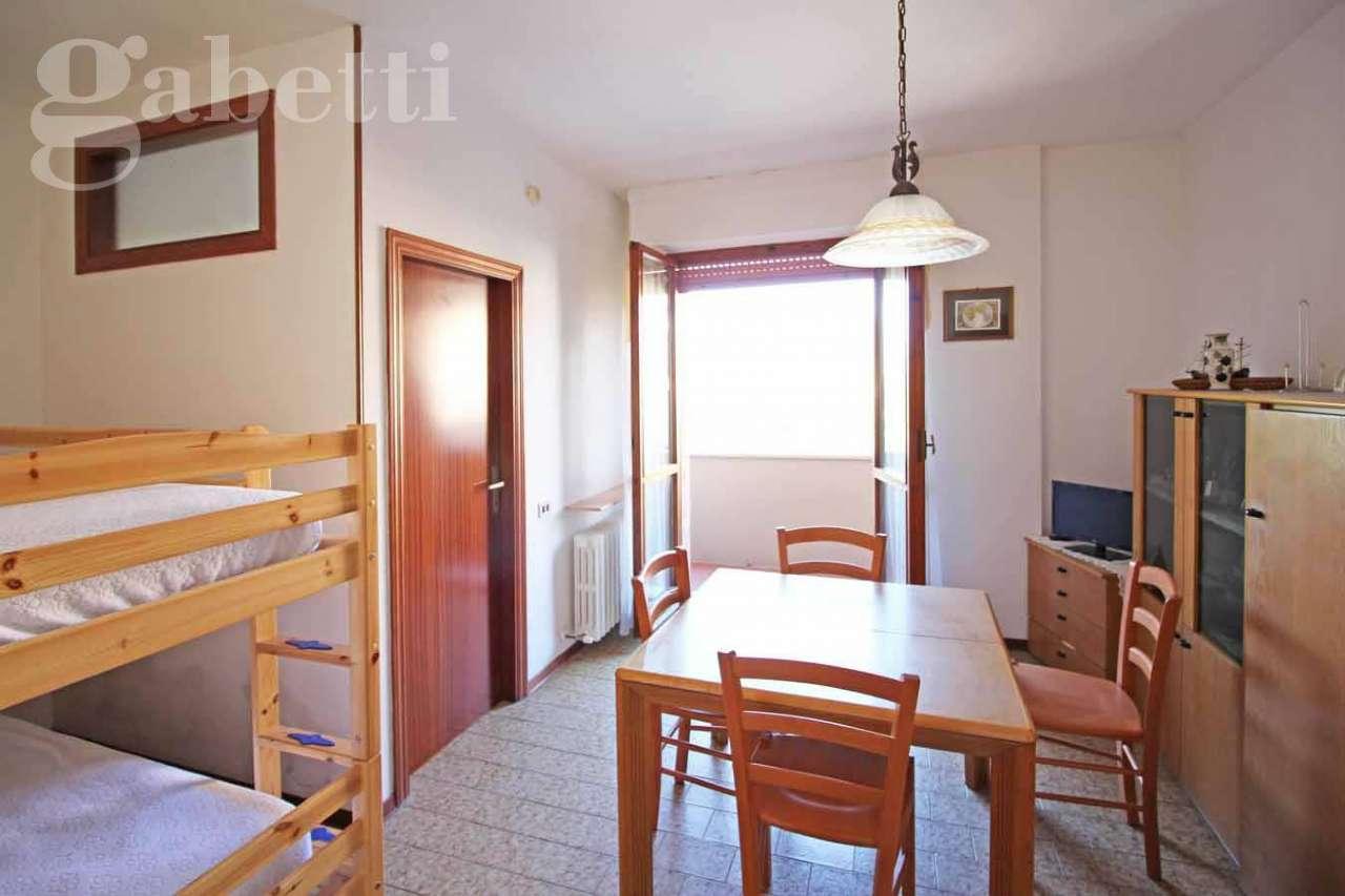 Appartamento in vendita a Senigallia, 3 locali, prezzo € 115.000 | CambioCasa.it