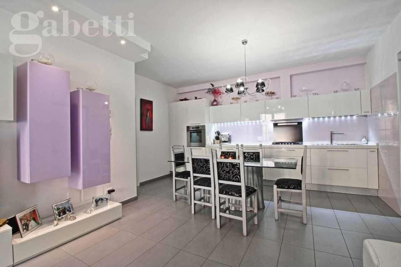 Appartamento in vendita a Mondolfo, 3 locali, prezzo € 220.000 | CambioCasa.it
