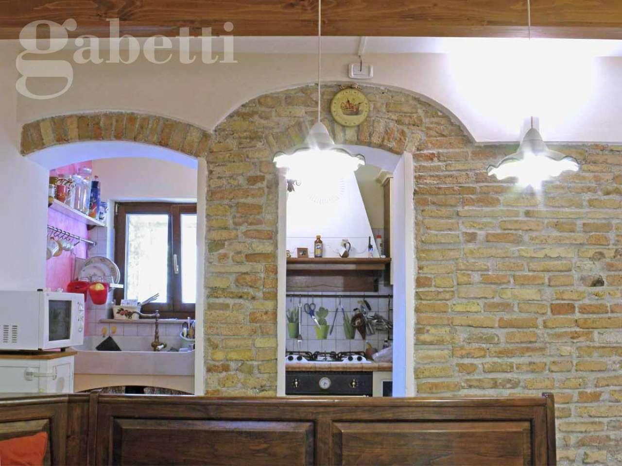 Appartamento quadrilocale in affitto a Senigallia (AN)