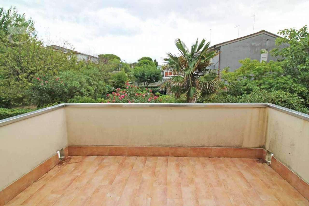 Appartamento in vendita a Montemarciano, 2 locali, prezzo € 60.000 | CambioCasa.it
