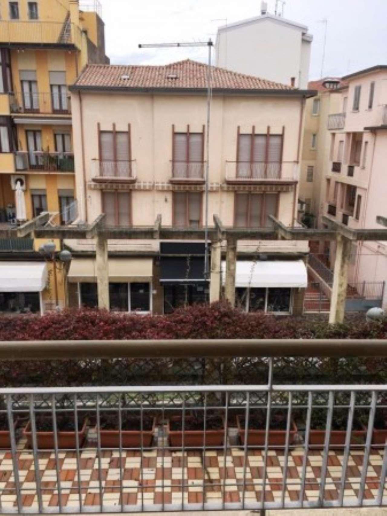 Ufficio / Studio in affitto a Chioggia, 3 locali, prezzo € 550 | Cambio Casa.it