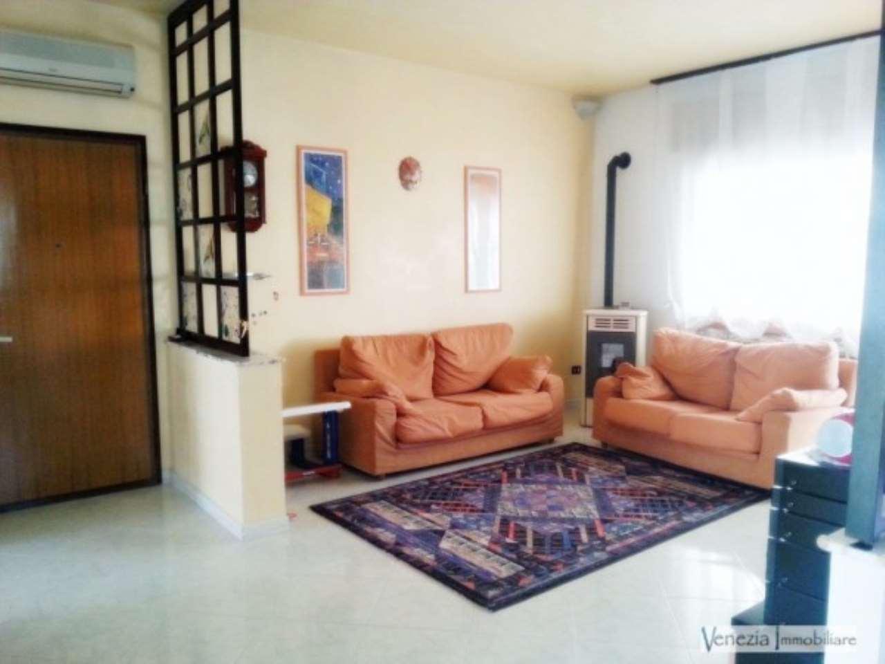 Appartamento in vendita a Chioggia, 4 locali, prezzo € 155.000 | CambioCasa.it