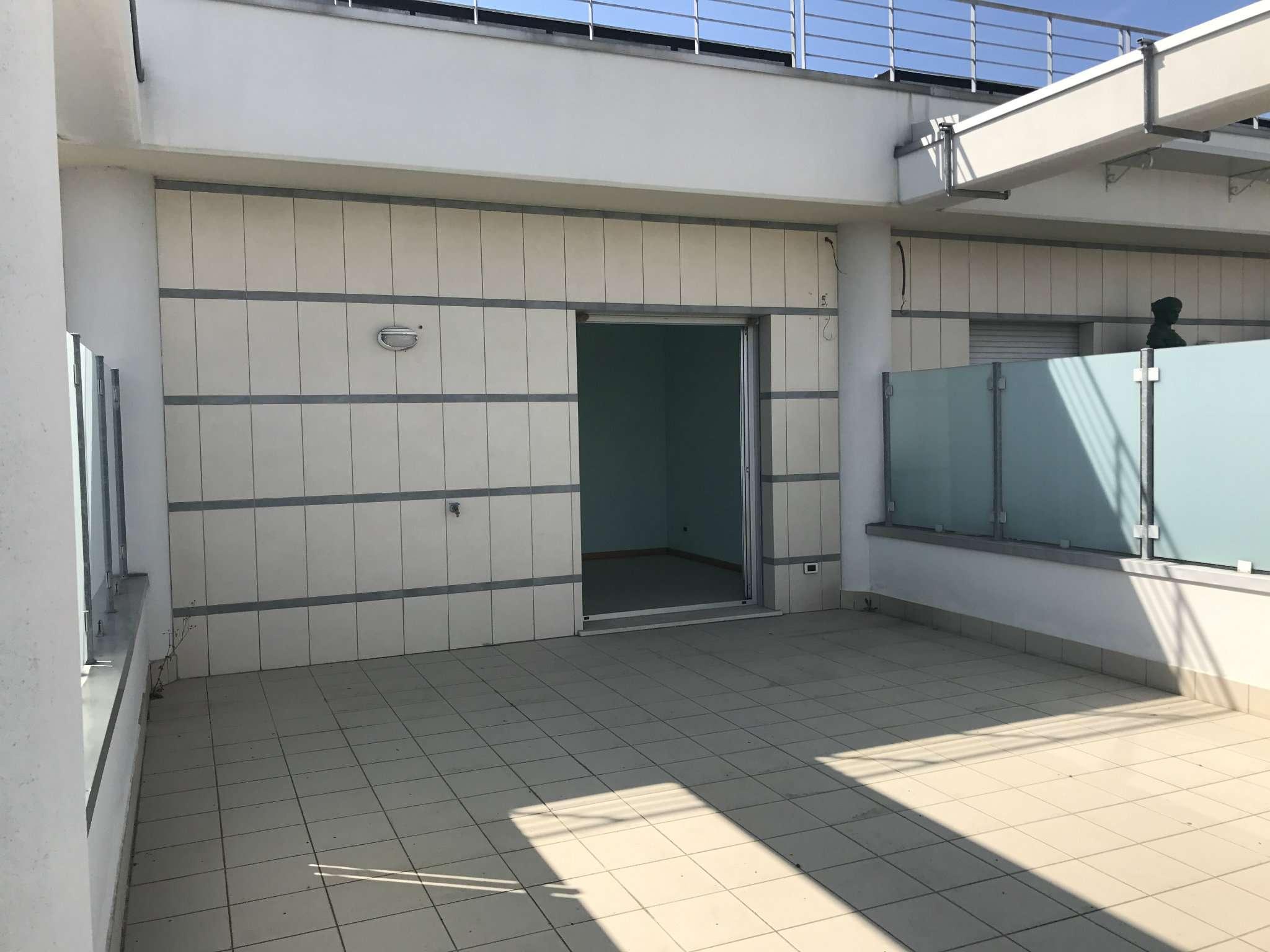 Ufficio / Studio in vendita a San Clemente, 3 locali, prezzo € 90.000   CambioCasa.it