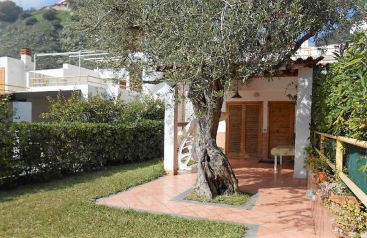 Villa in vendita a Letojanni, 4 locali, prezzo € 190.000 | CambioCasa.it