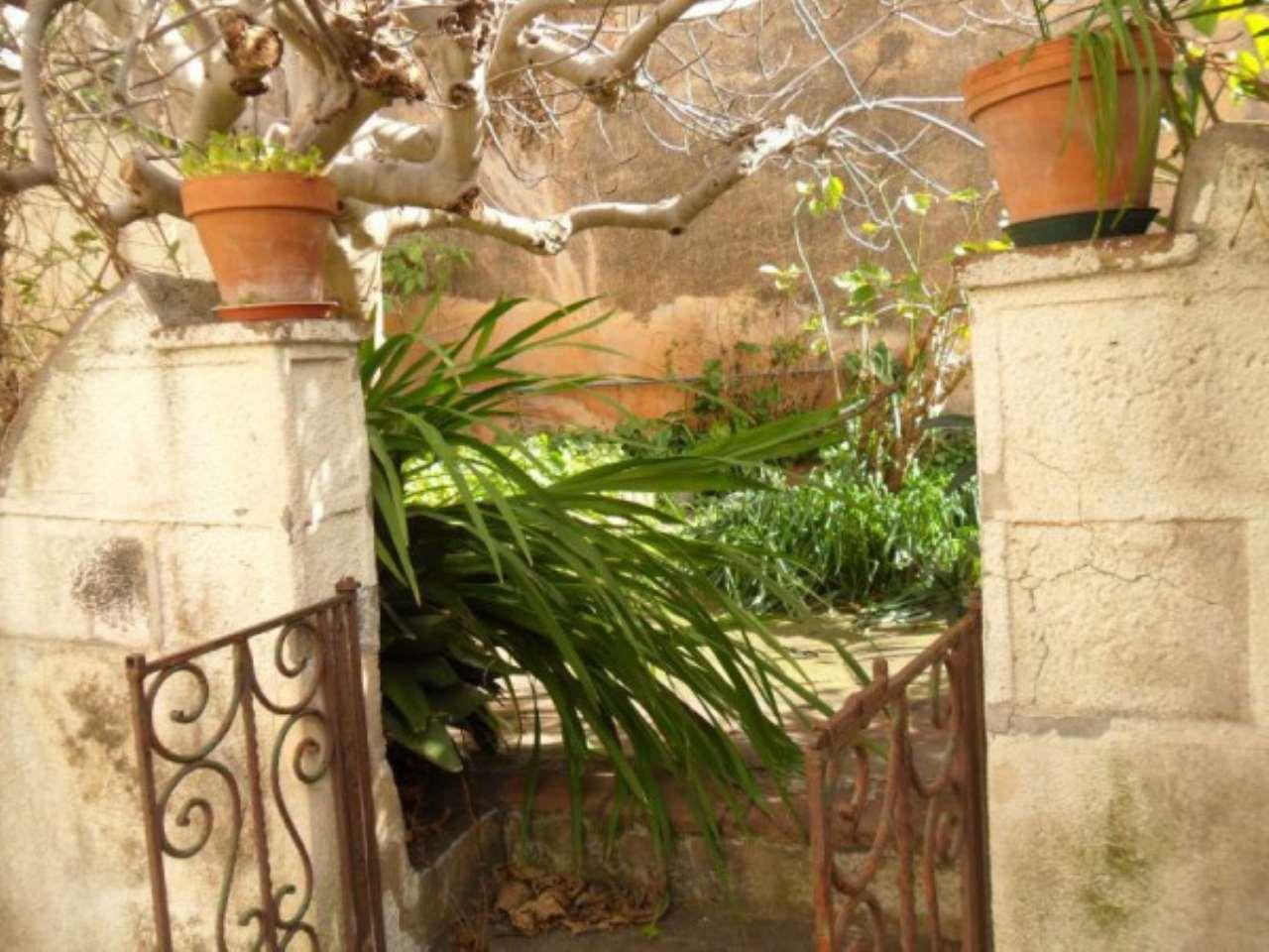 Palazzo / Stabile in vendita a San Gregorio di Catania, 4 locali, prezzo € 185.000 | CambioCasa.it