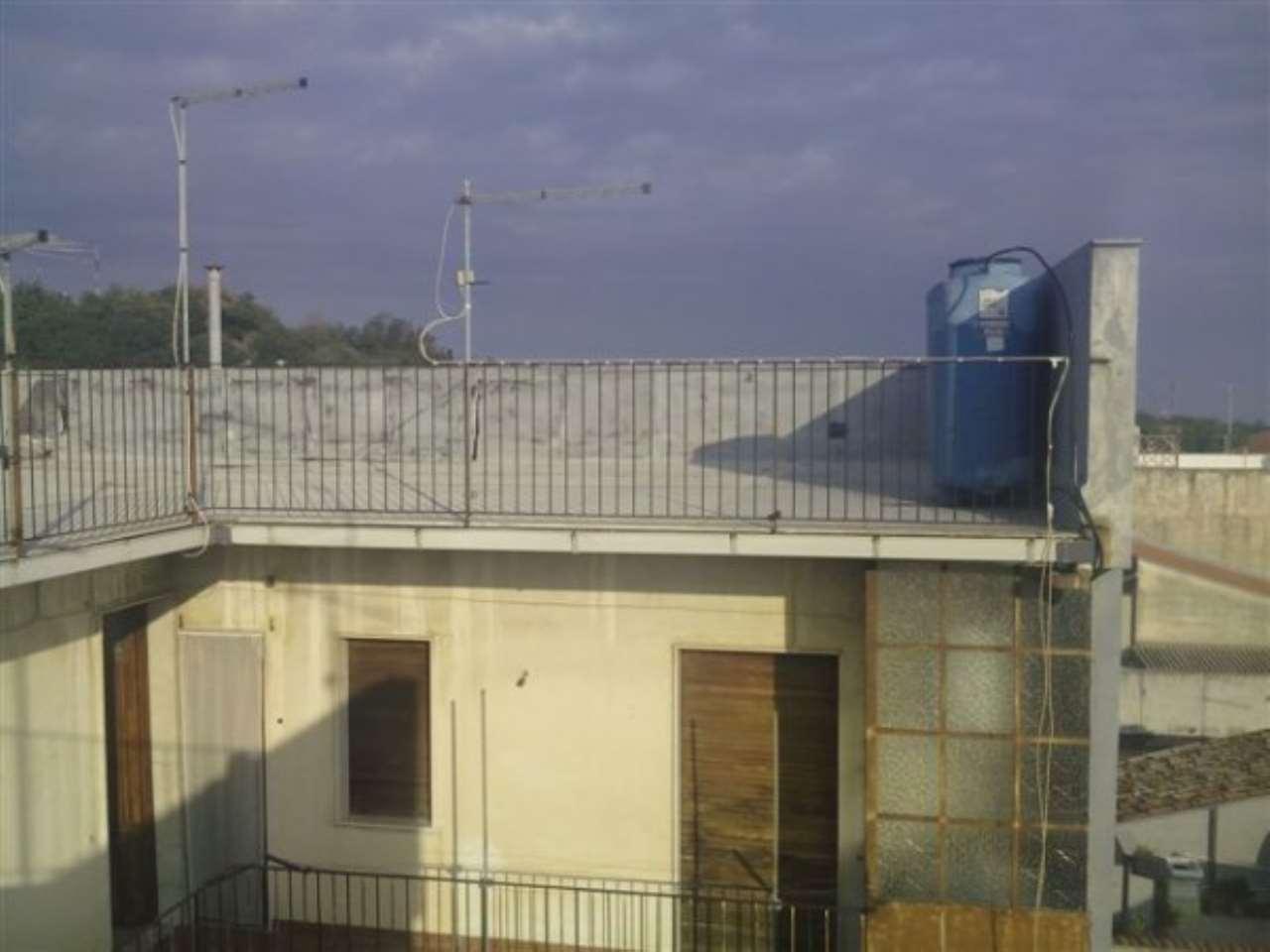 Appartamento in vendita a San Gregorio di Catania, 3 locali, prezzo € 50.000   CambioCasa.it