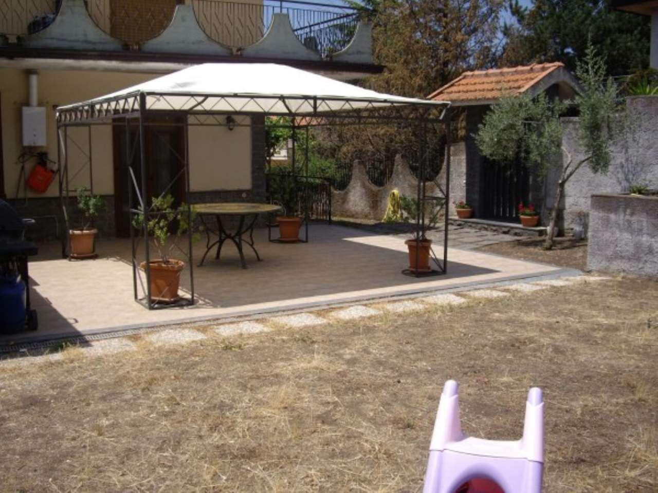 Villa in vendita a Pedara, 3 locali, prezzo € 90.000 | CambioCasa.it
