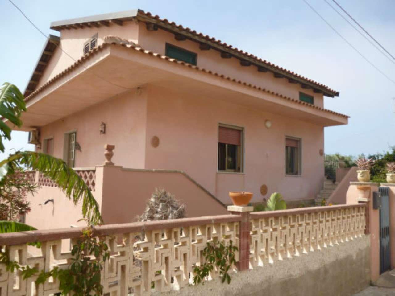 Villa in vendita a Modica, 9999 locali, prezzo € 260.000   CambioCasa.it