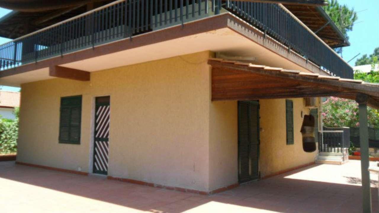 Villa in vendita a Catania, 9999 locali, prezzo € 120.000 | Cambio Casa.it