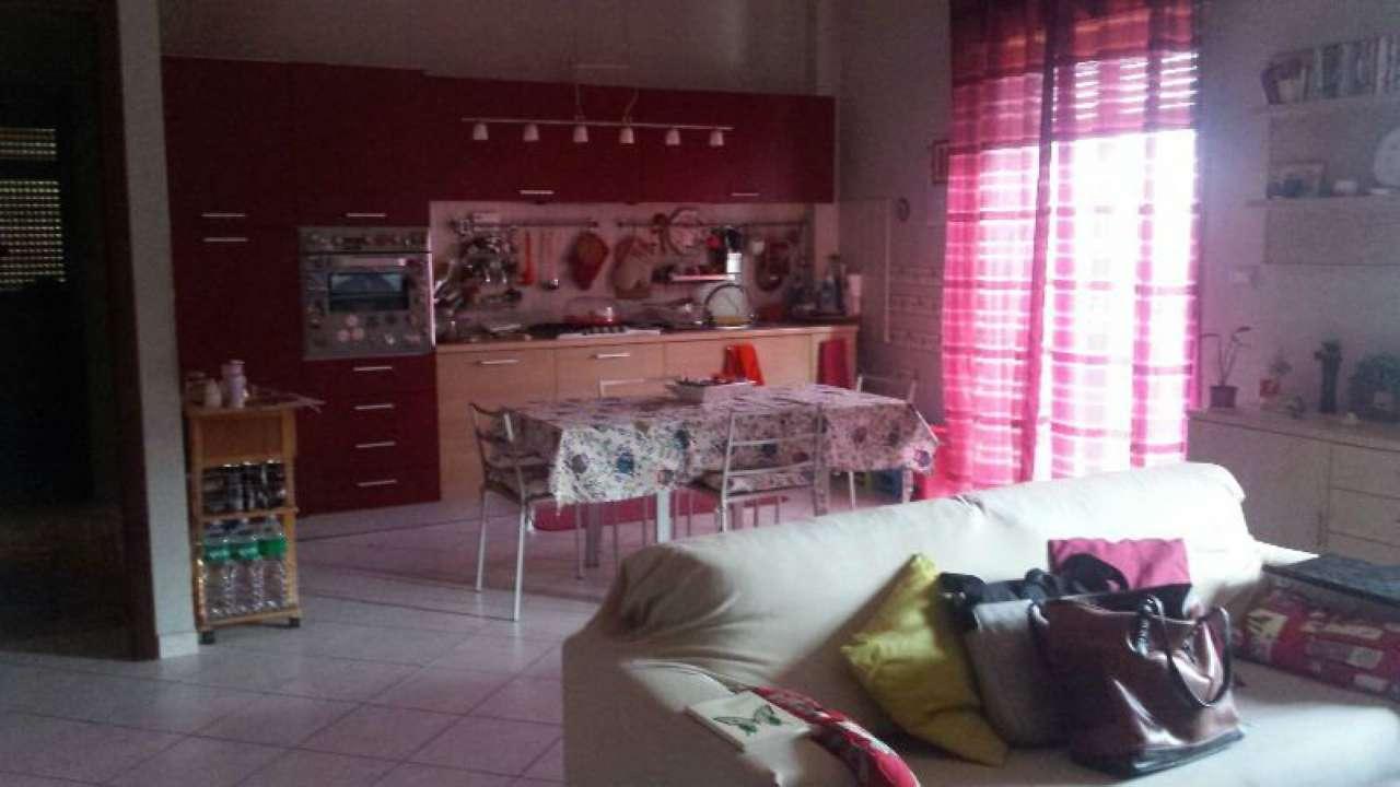 Appartamento in vendita a Aci Sant'Antonio, 4 locali, prezzo € 92.000 | CambioCasa.it