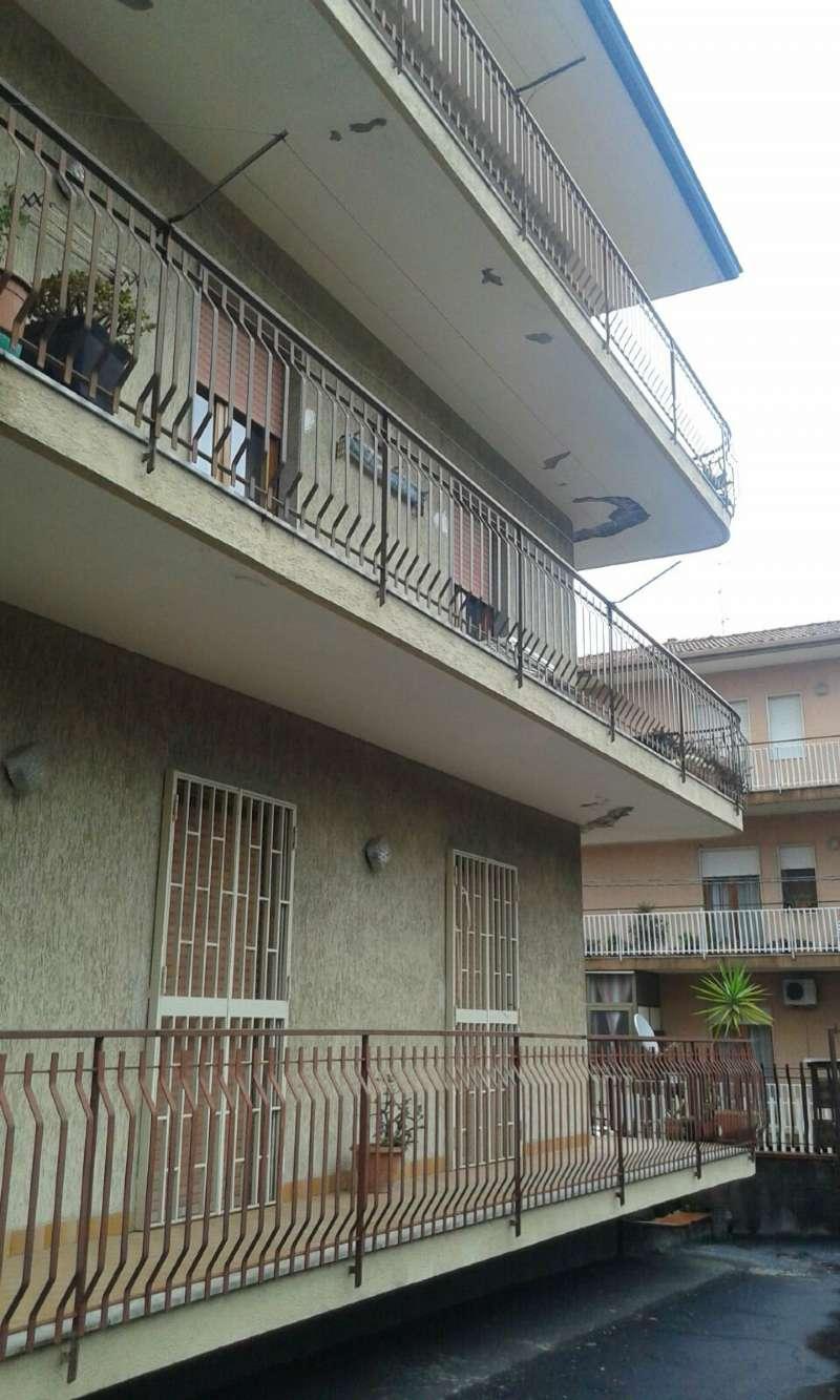 Appartamento in vendita a Aci Sant'Antonio, 6 locali, prezzo € 134.000 | CambioCasa.it