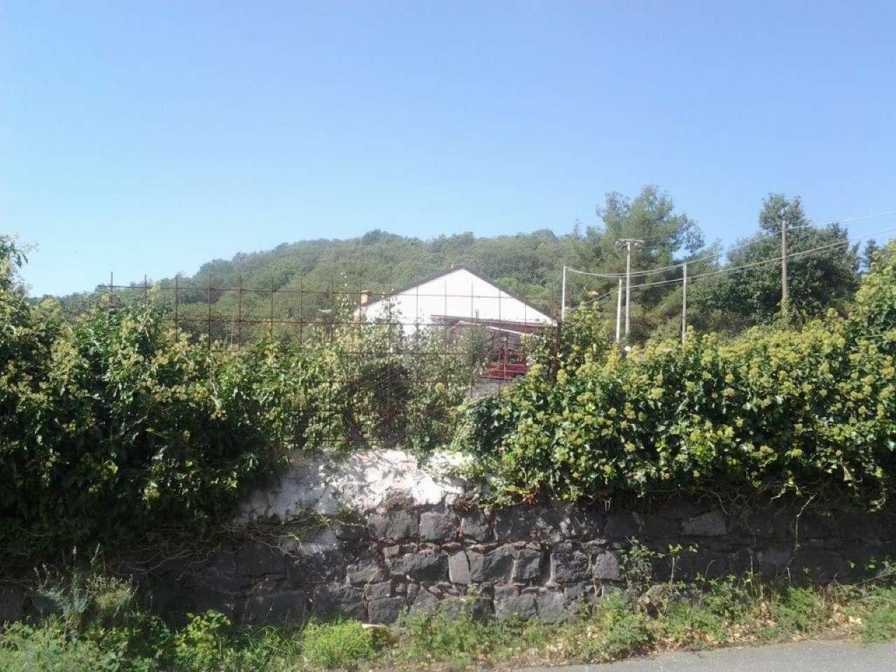 Villa in vendita a Pedara, 5 locali, prezzo € 145.000 | CambioCasa.it