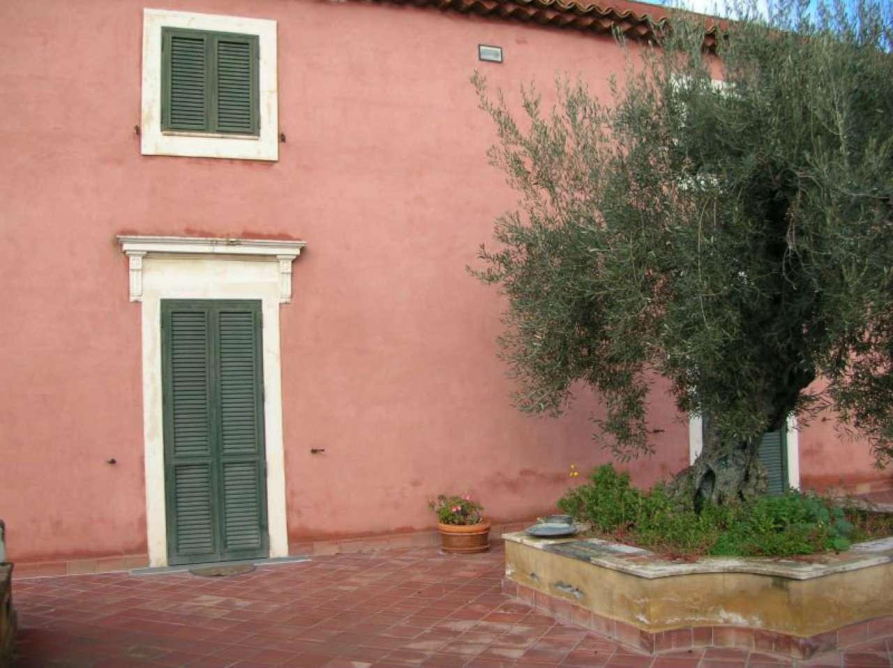 Villa in vendita a Misterbianco, 9999 locali, Trattative riservate | Cambio Casa.it