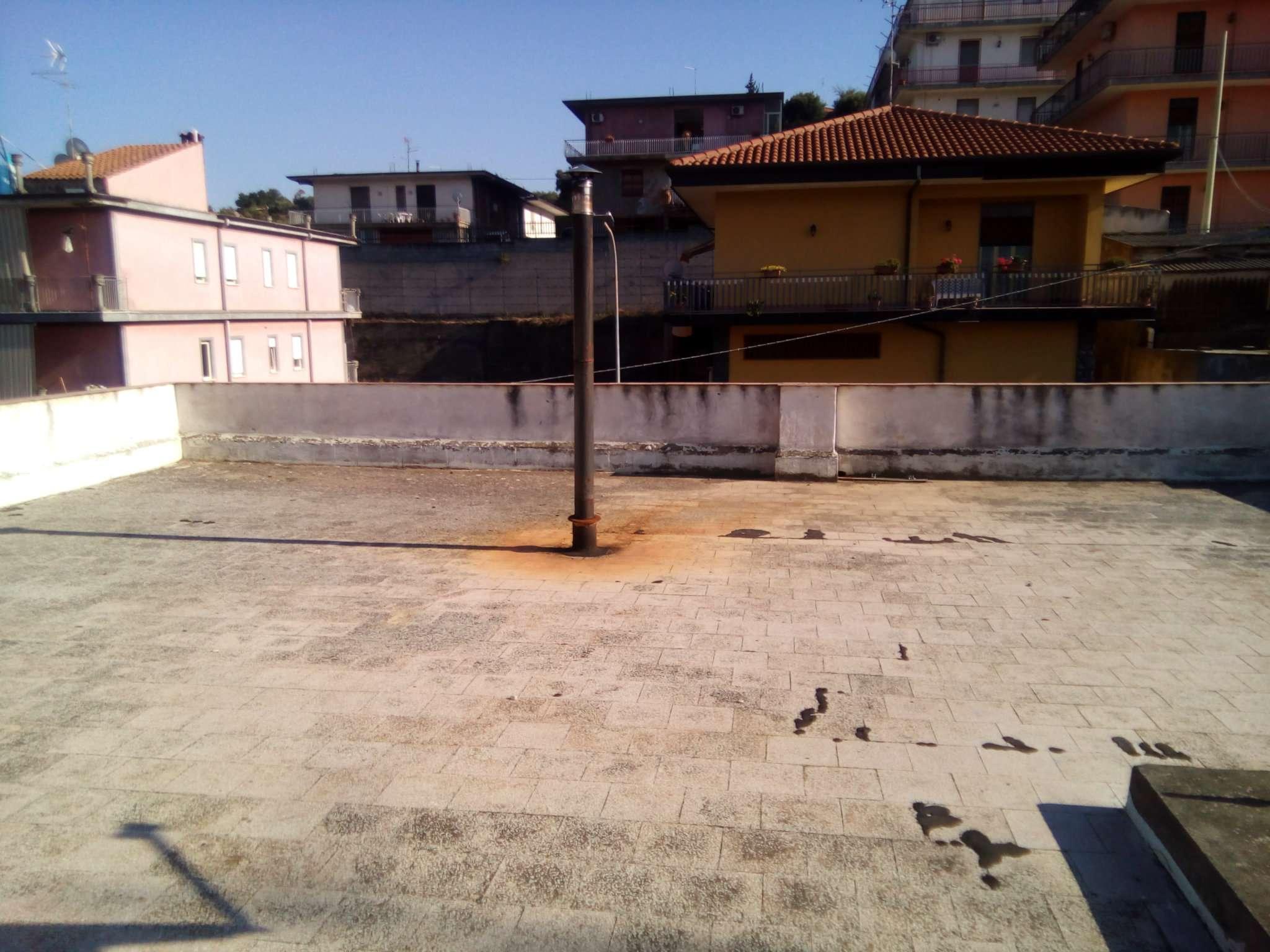 Soluzione Indipendente in vendita a Motta Sant'Anastasia, 9999 locali, prezzo € 180.000 | Cambio Casa.it